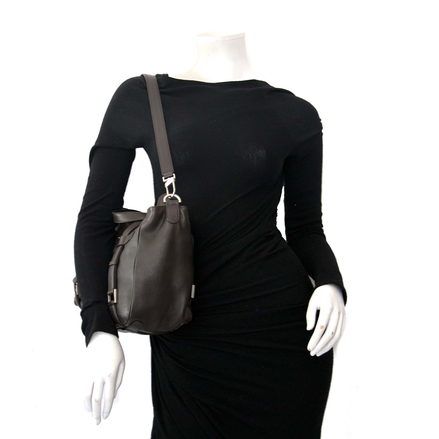 buy secondhand authentic Delvaux Saint Germain Lady Calf Handbag at the right price at Labellov, vintage webshop.