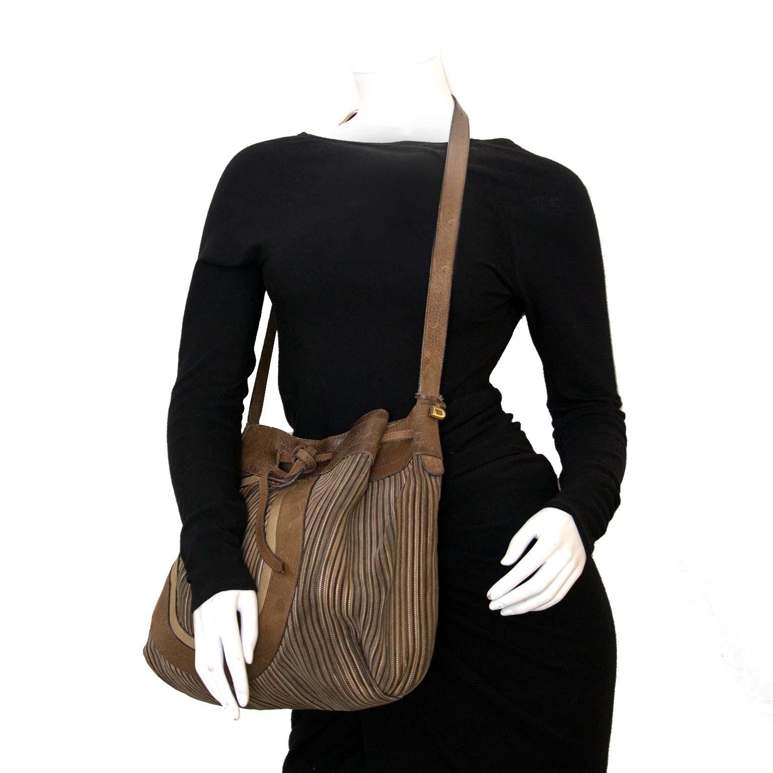 Koop authentieke Delvaux tassen nu bij Labellov vintage mode fashion webshop België