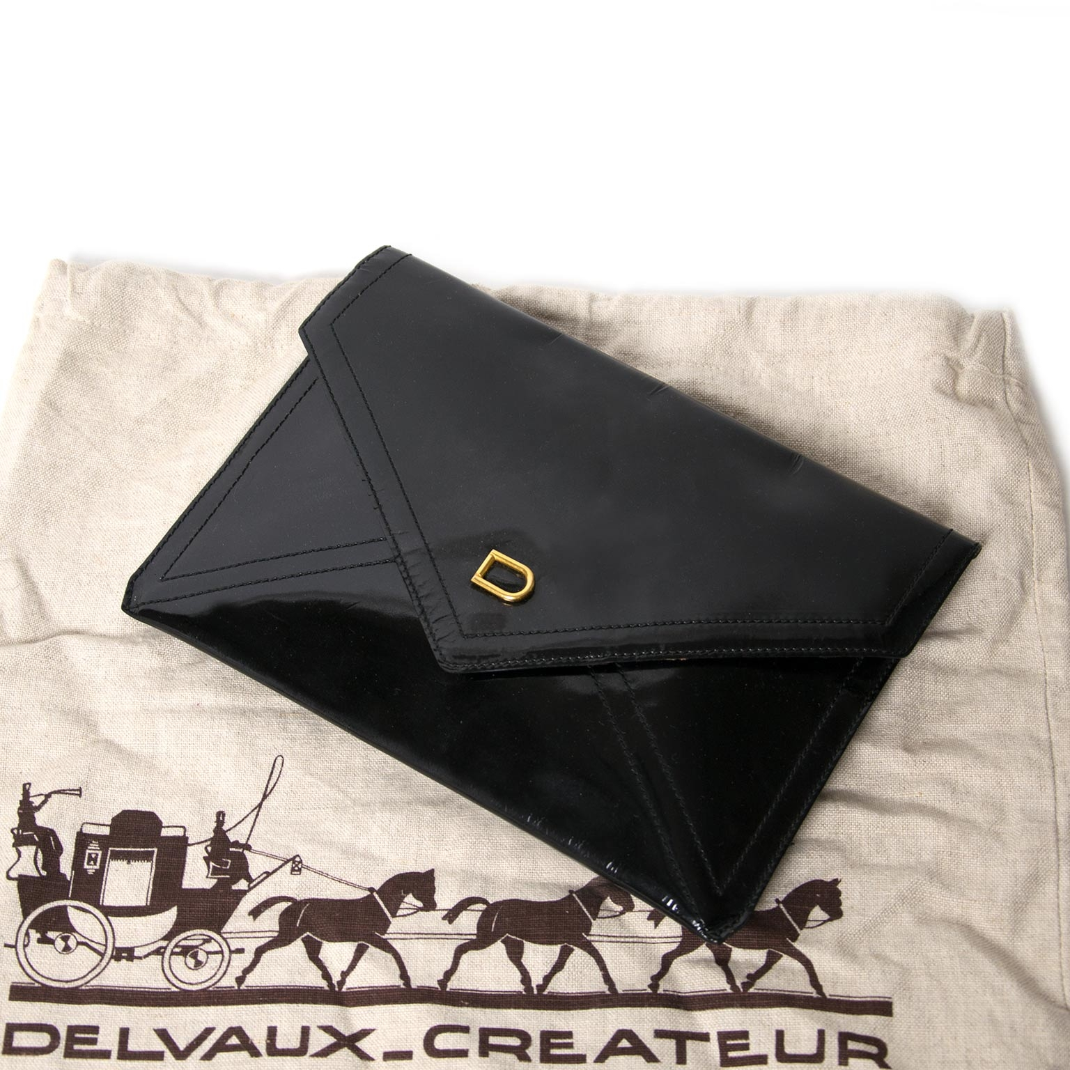 delvaux patent black envelope pochette now for sale at labellov vintage fashion webshop belgium