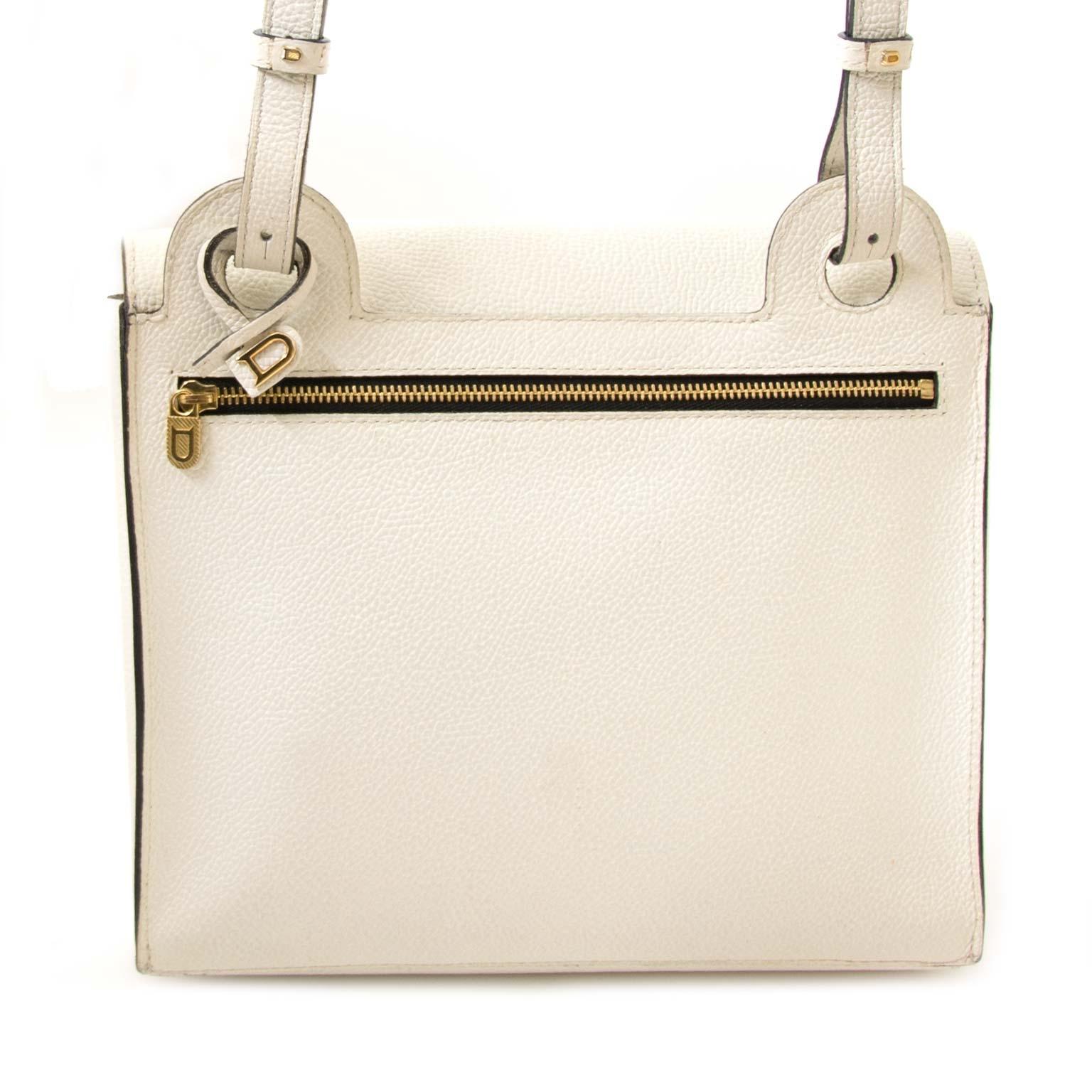 koop Delvaux White Leather Shoulderbag bij labellov en betaal veilig online