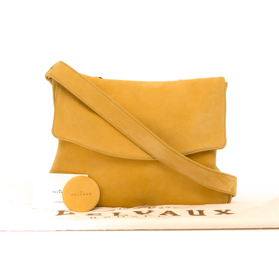 Op zoek aan een authentieke Delvaux Yellow Cross Body Bag? Surf naar Labellov Designer Vintage