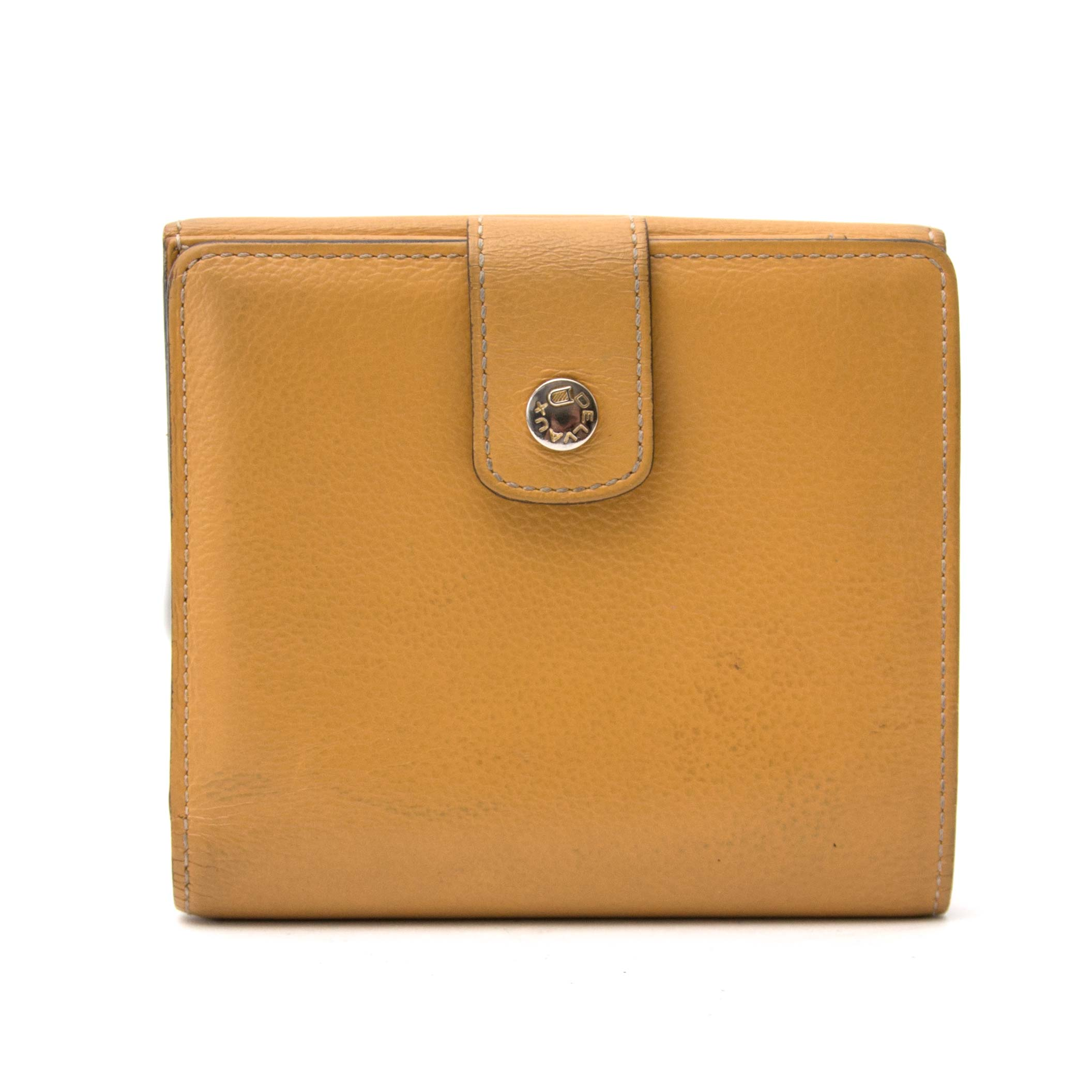 achetez enligne secondmain Delvaux Dark Yellow Wallet chez labellov.com