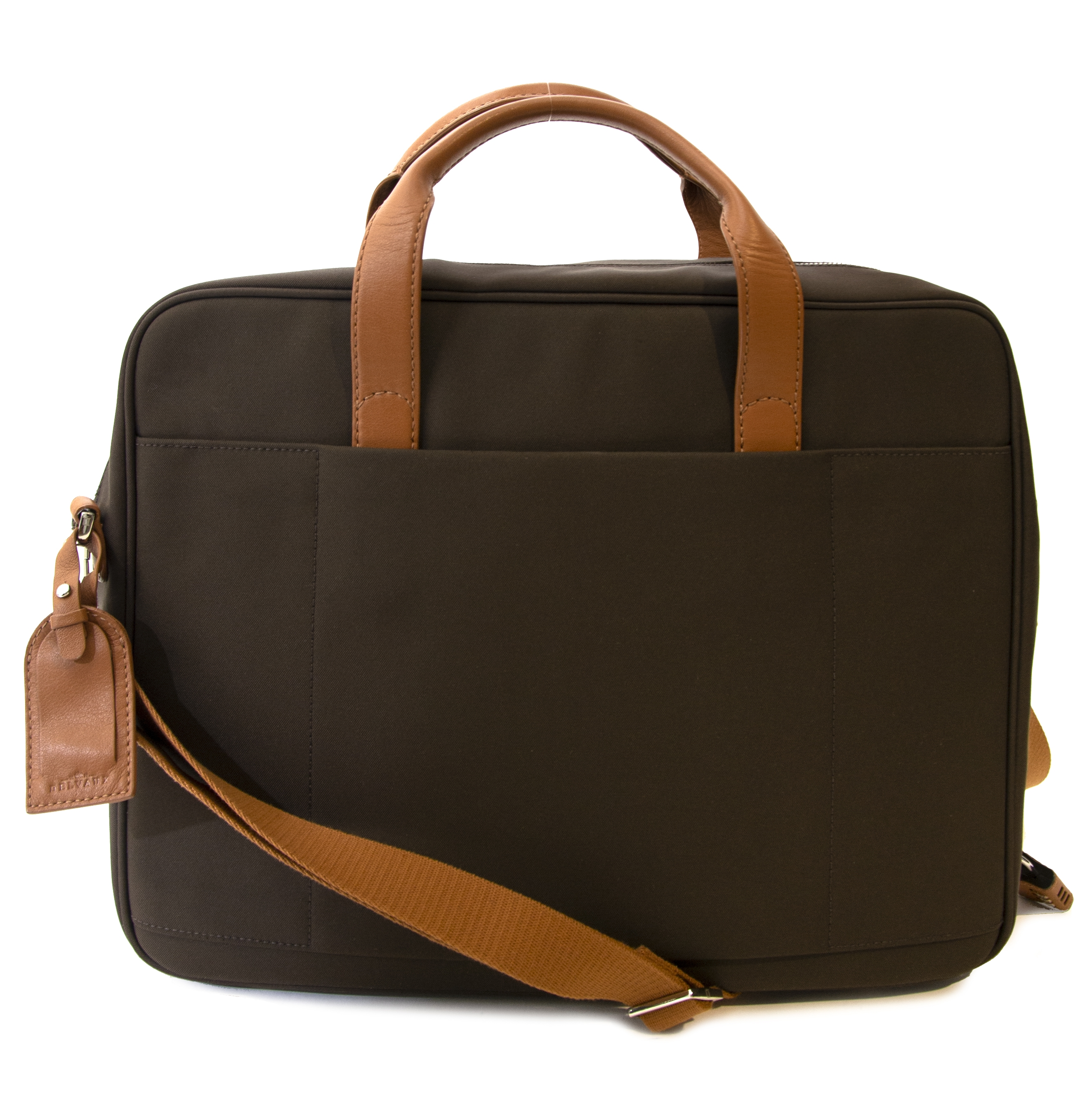 Delvaux Brown Airess Briefcase Canvas  Buy authentic secondhand Delvaux Airess briefcase canvas at the right price at Labellov safe and secure online shopping.  Koop authentieke tweedehands Delvaux Airess briefcase canvas voor de juiste prijs bij Labellov