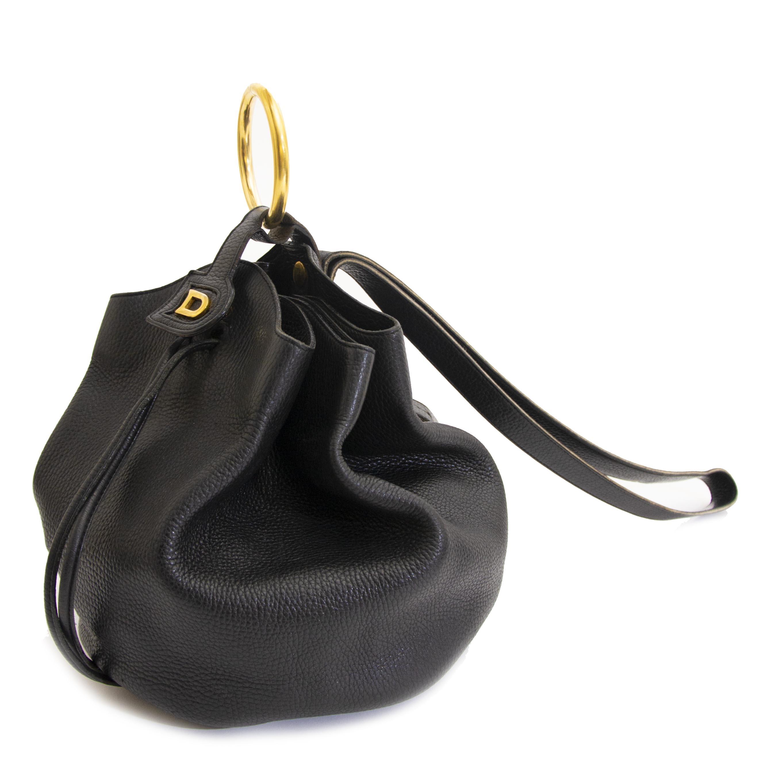 ... sale at labellov vintage fashion webshop belgium delvaux zwarte bucket  tas nu te koop bij labellov vintage webshop belgië aan de laagste prijs 178e464be6
