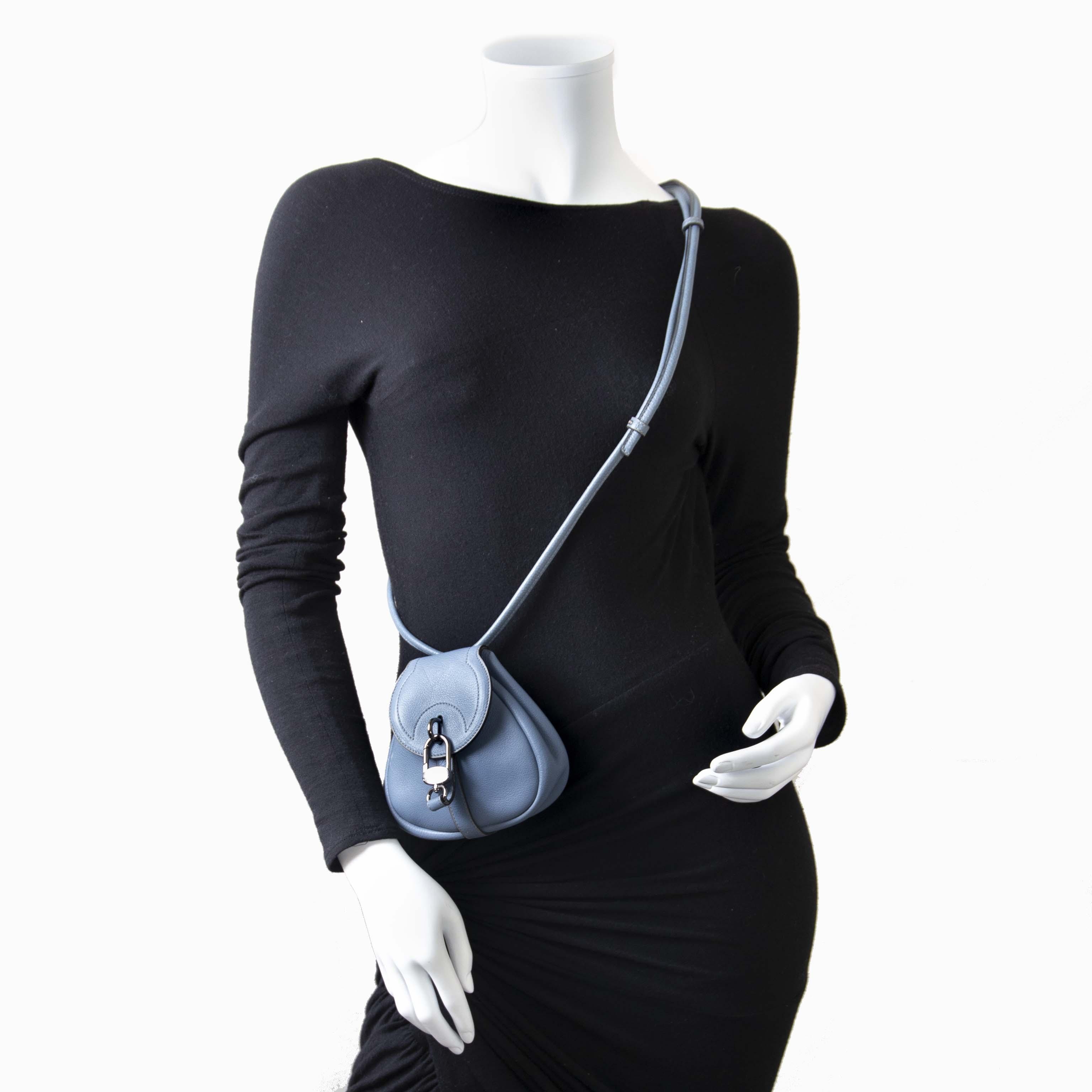... Delvaux Mini Blue Cerceau Crossbody tas nu te koop bij labellov vintage  mode webshop belgië e20a0f15a35