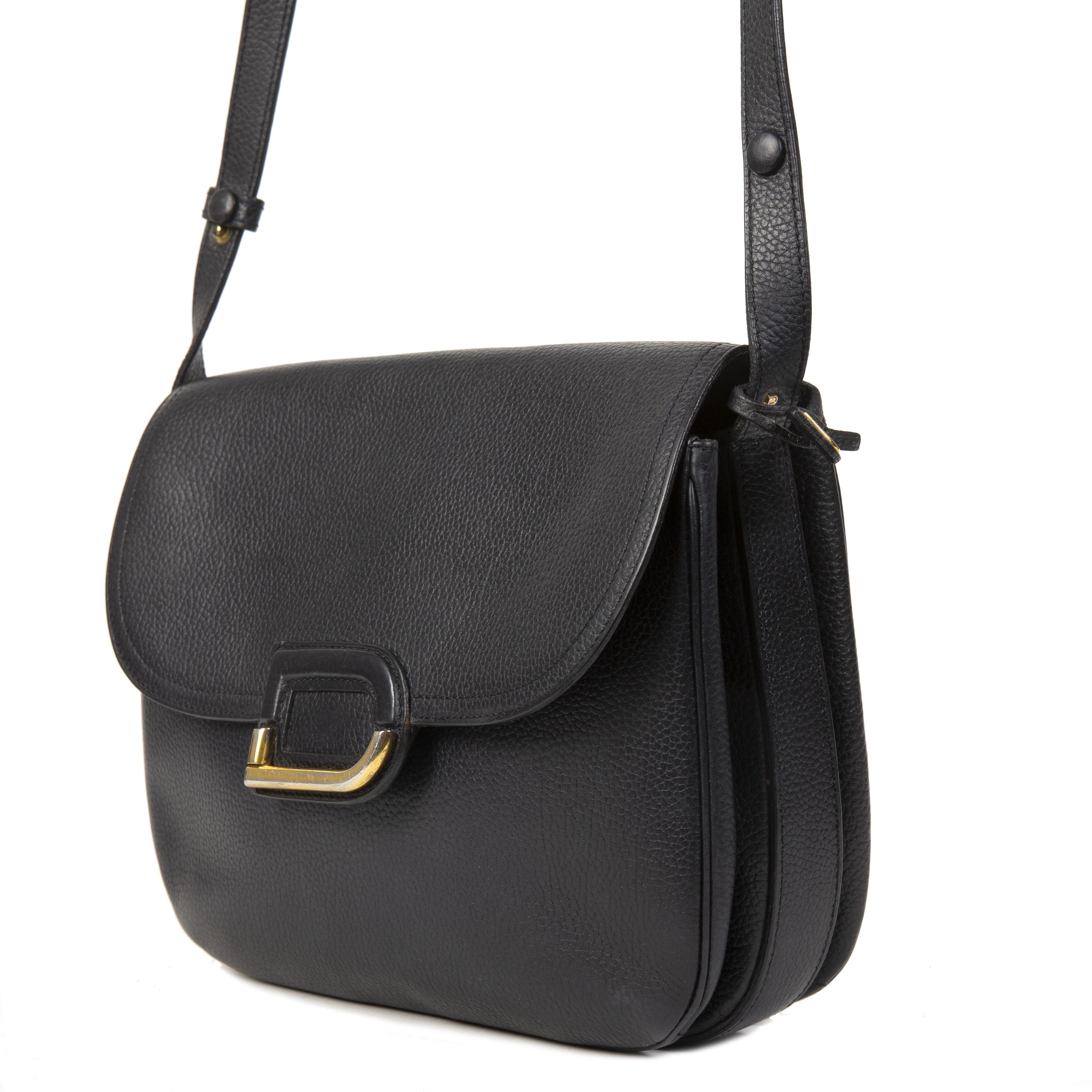 1e346227ac5 ... Authentieke tweedehands Delvaux Vintage Dark Blue D Logo Bag juiste  prijs veilig online winkelen LabelLOV webshop
