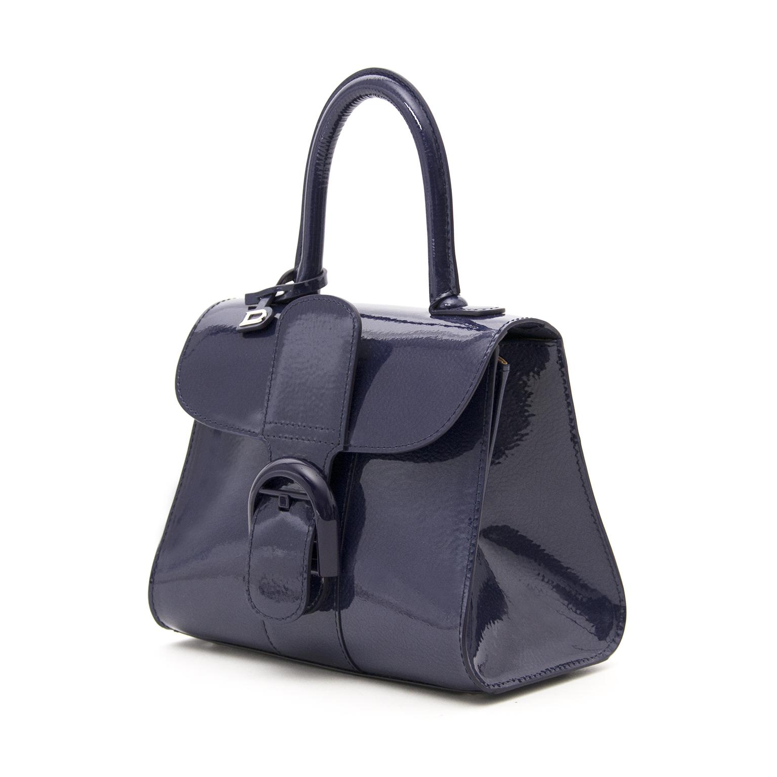 acheter en ligne chez labellov.com pour le meilleur prix brand new delvaux brillant mini vernis indigo