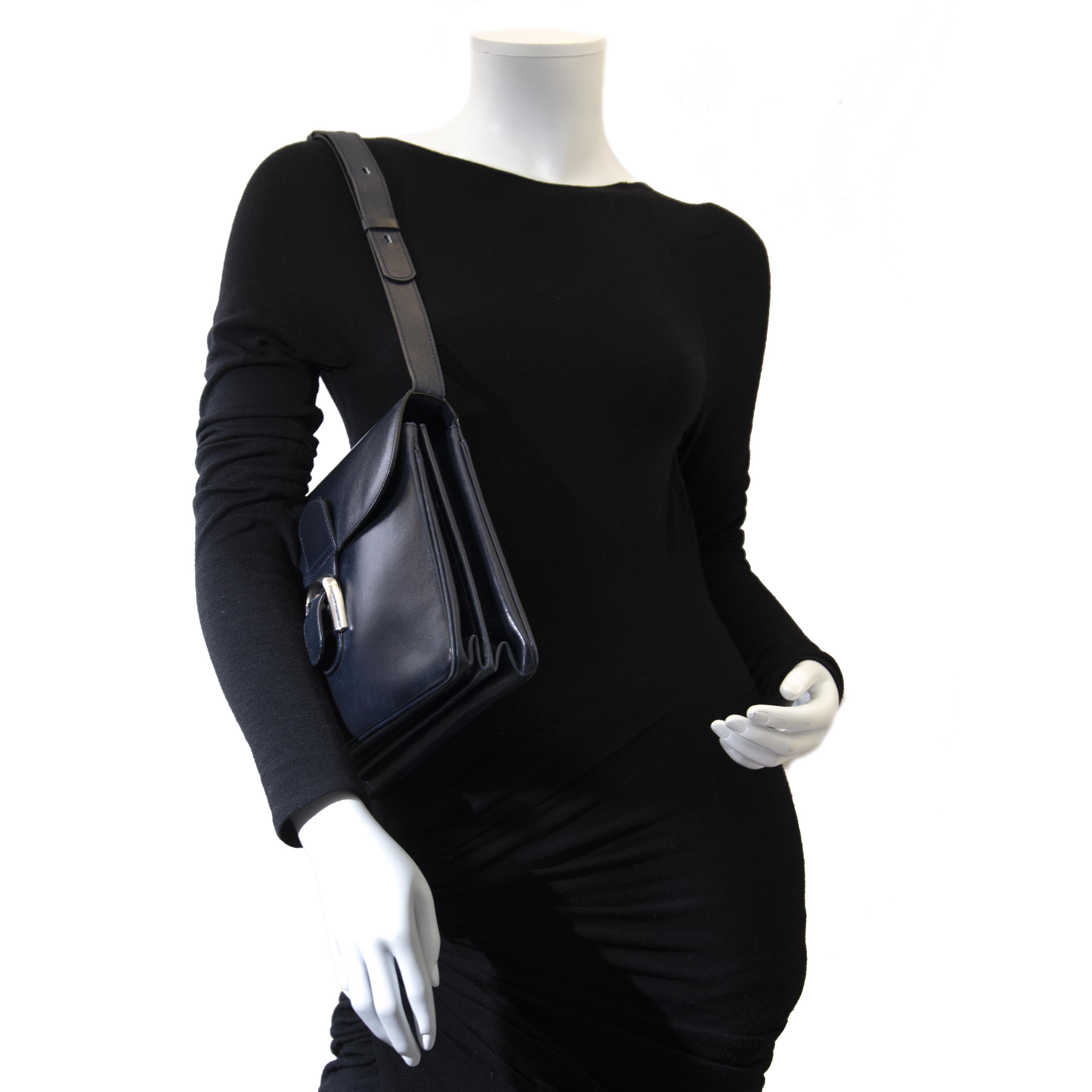 op zoek naar een Delvaux Dark Blue Brillant Boudrier  ? nu te koop bij labellov.com tegen de beste prijs