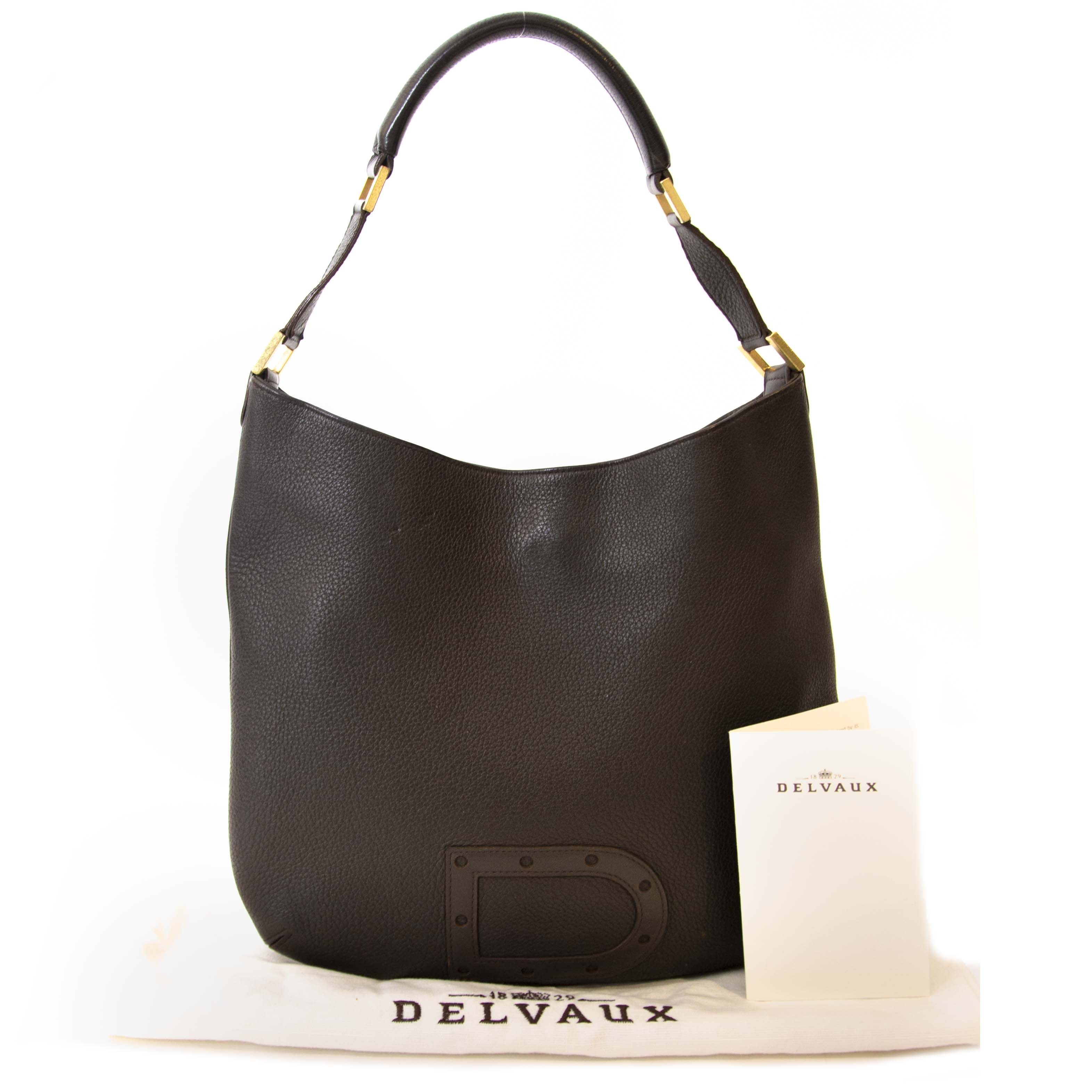 Buy a Delvaux Shoulder bag at LabelLOV vintage webshop at the right price.