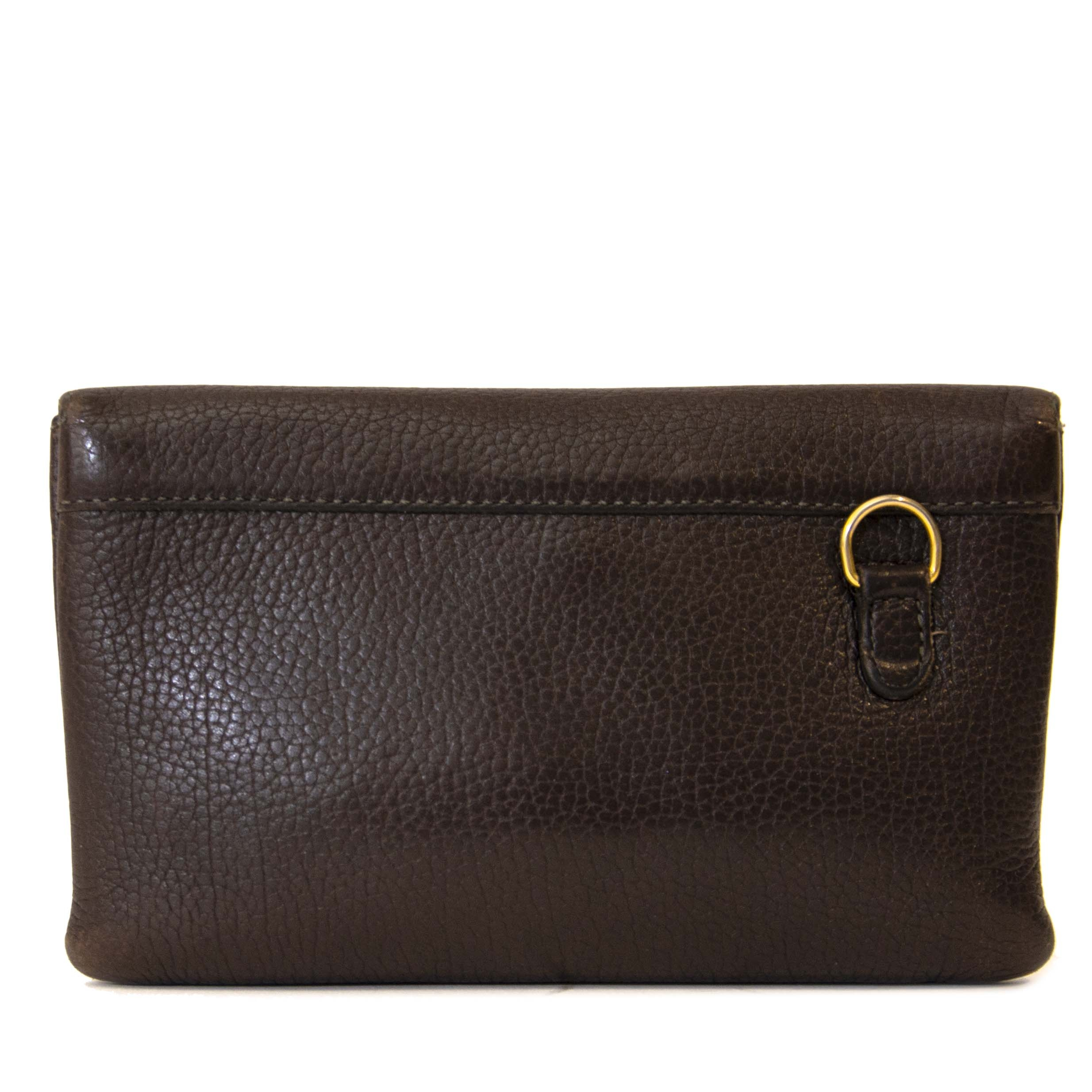 Delvaux Brown Leather Wallet. Buy authentic Delvaux wallet online at LabelLOV, Antwerp. Brown wallet timeless and elegant.