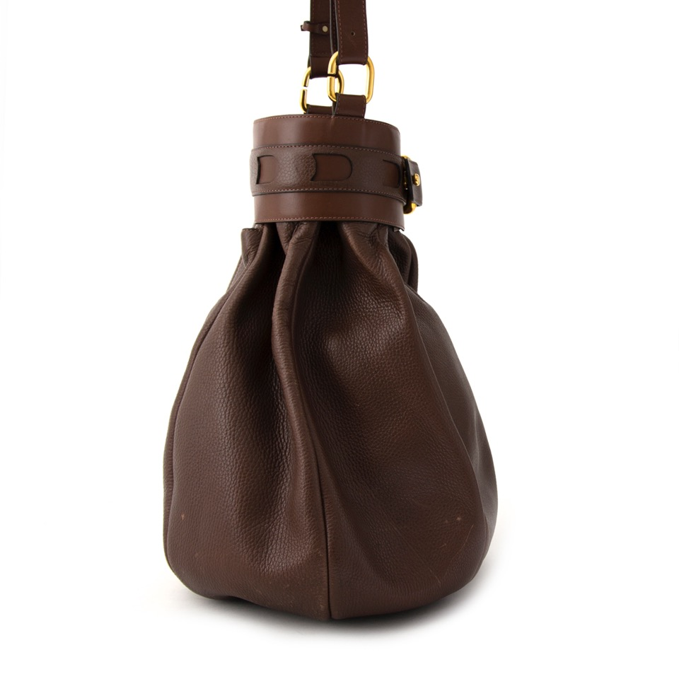 Buy Brand New delvaux brown shoulder bag.  at the right price at LabelLOV vintage webshop. Luxe, vintage, fashion. Safe and secure online shopping. Antwerp, Belgium.