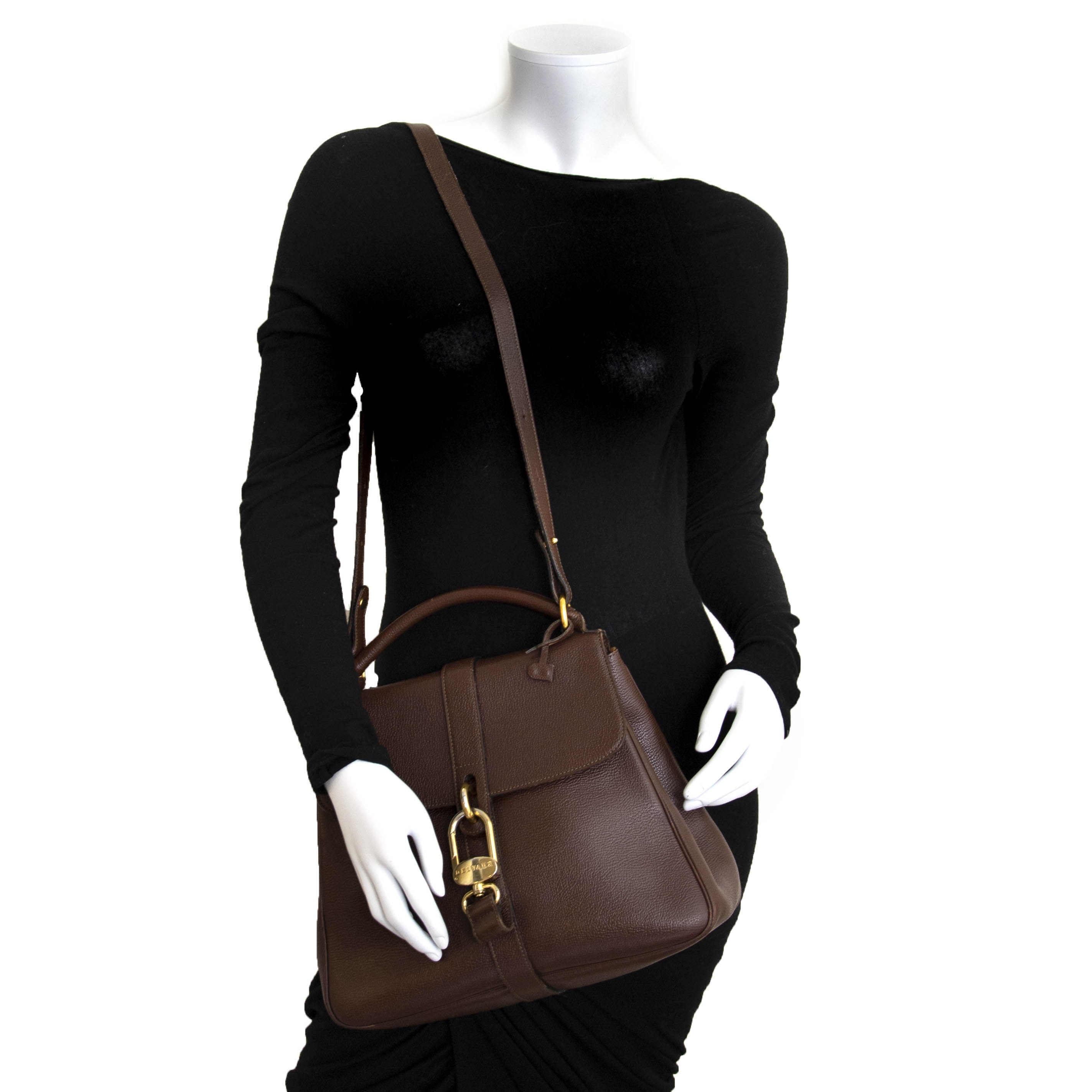 Delvaux Brown Gin Fizz Bag For the best price at LabelLov. Pour le meilleur prix à LabelLOV. Voor de beste prijs bij LabelLOV