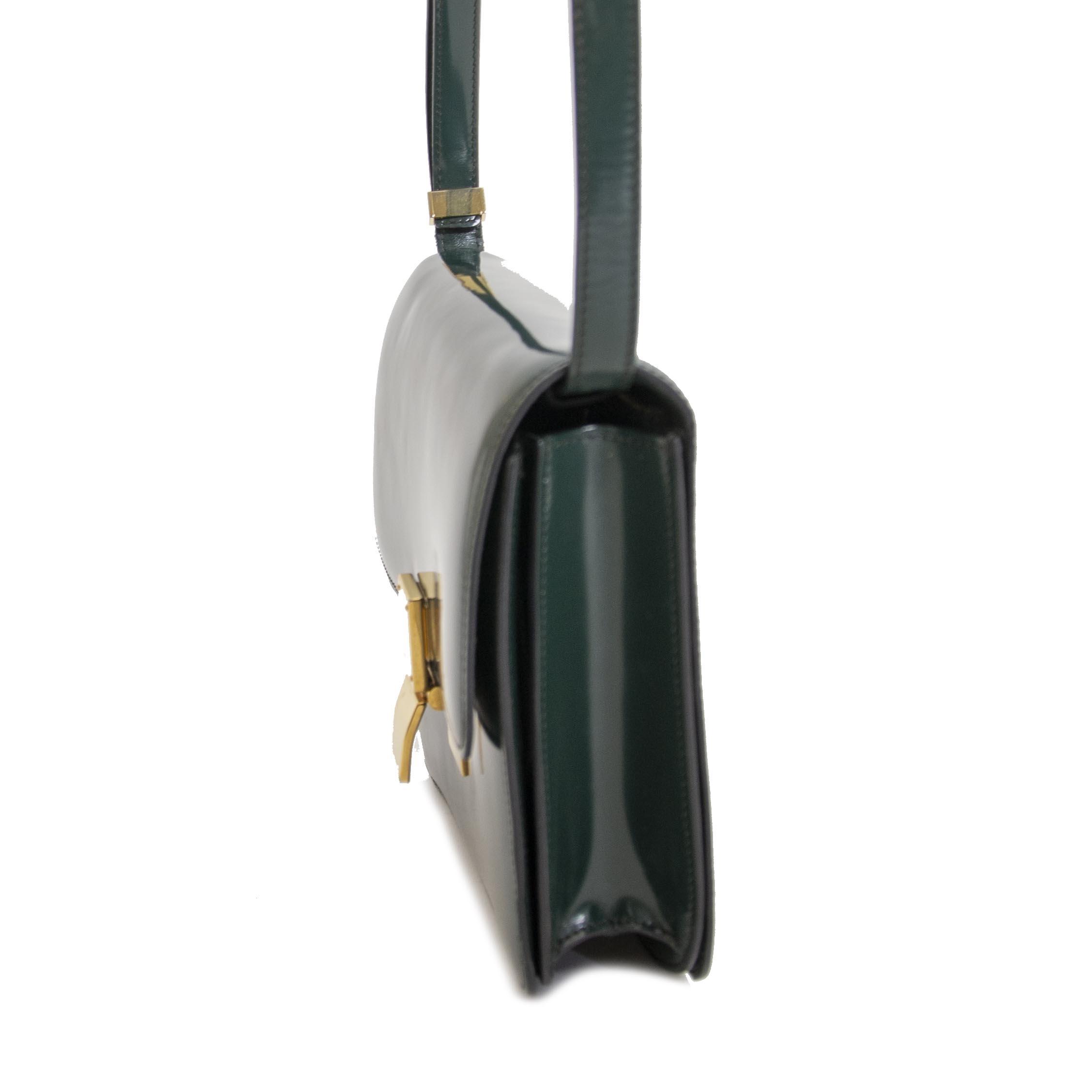 acheter en ligne seconde main koop veilig online tegen de beste prijs Celine Classic Green Patent Leather Bag