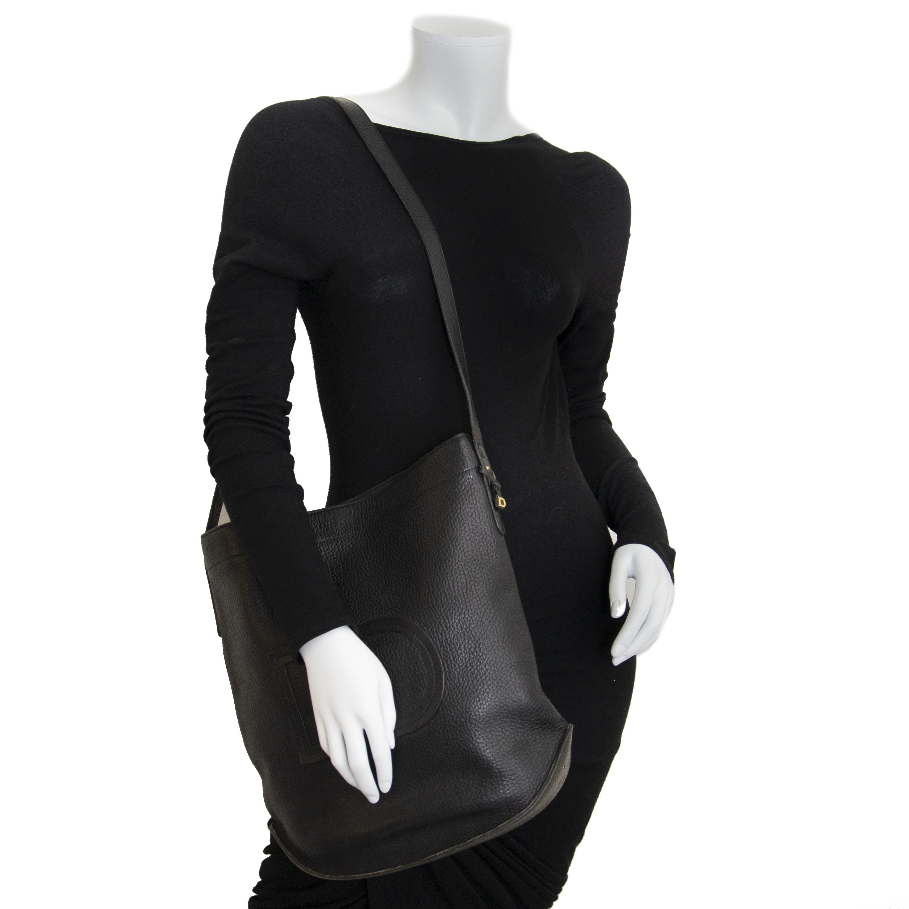 aa9ab92c97d2 Labellov Shoulder - Bags ○ Buy and Sell Authentic Luxury