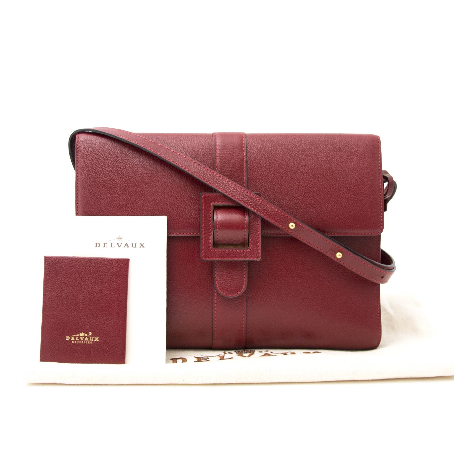 Acheter en igne chez Labellov.com Delvaux Red Shoulder Bag