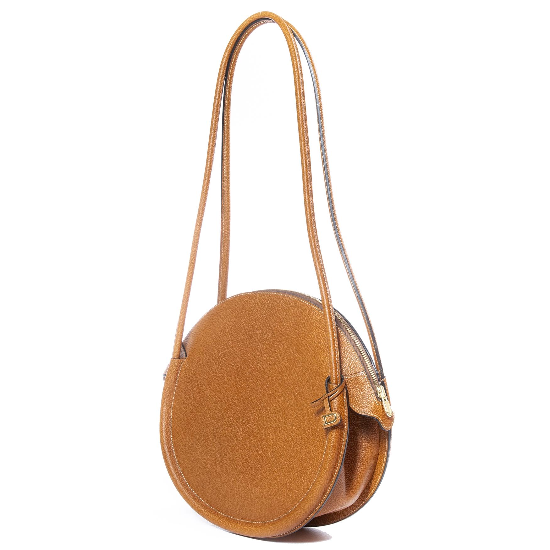 e8bf7dccf3d ... Labellov Bent u op zoek naar een authentieke Delvaux Fauve Sunset  Jumping Bag?