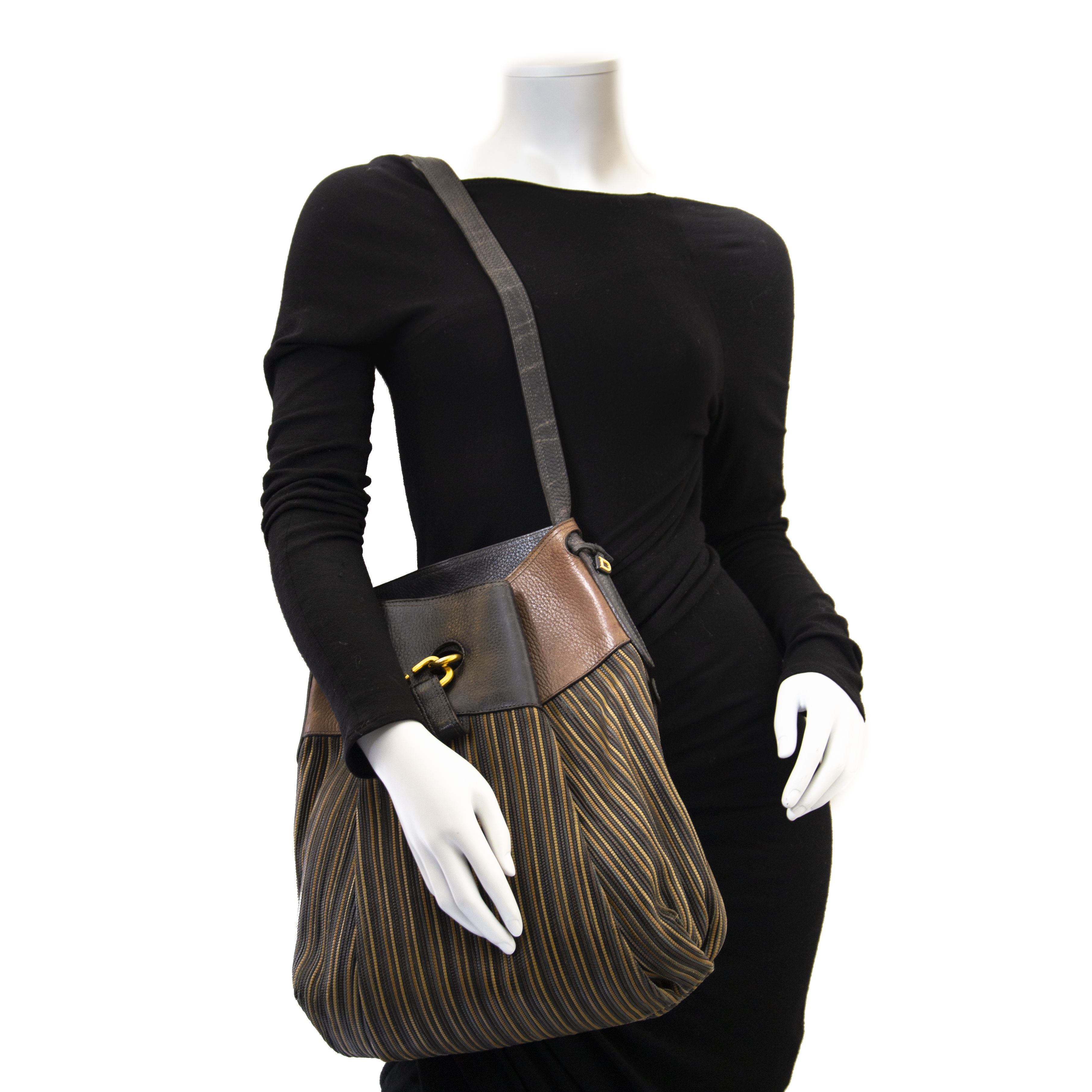 We buy and sell your authentic Delvaux Brown Toile De Cuir Faust Bag