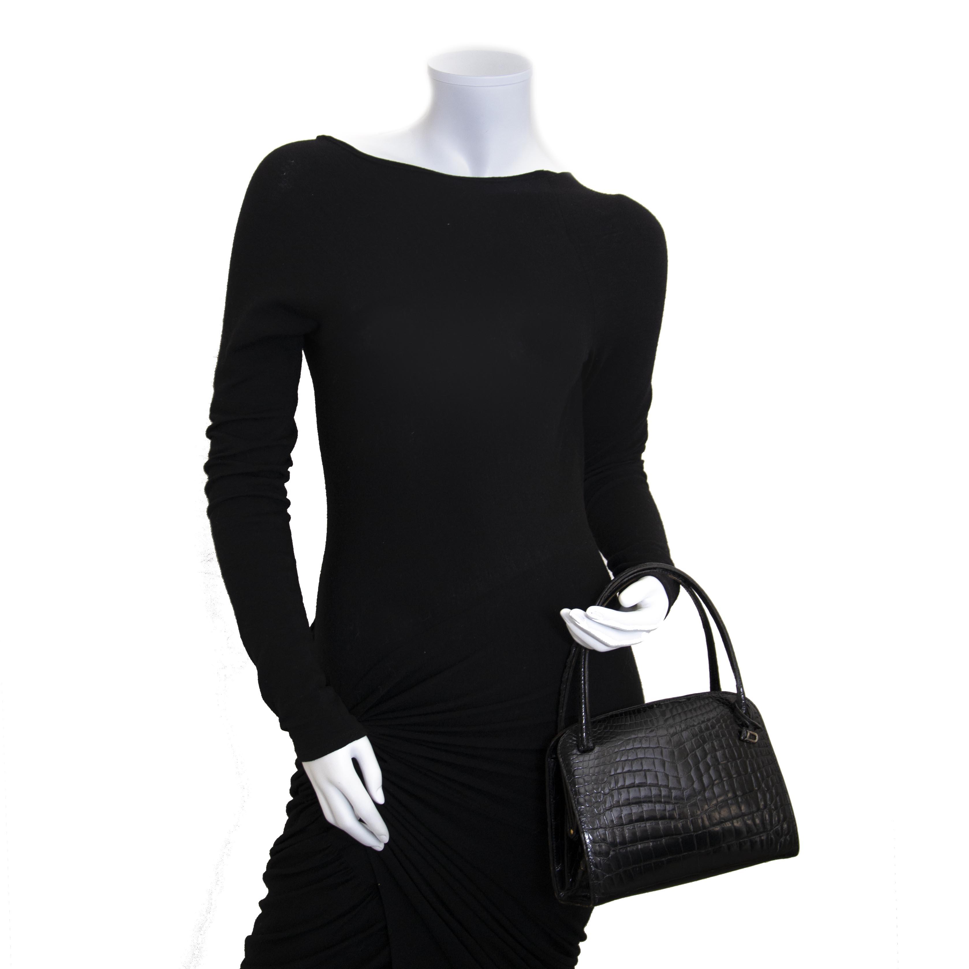 Buy secondhand Delvaux handbags at Labellov Antwerp