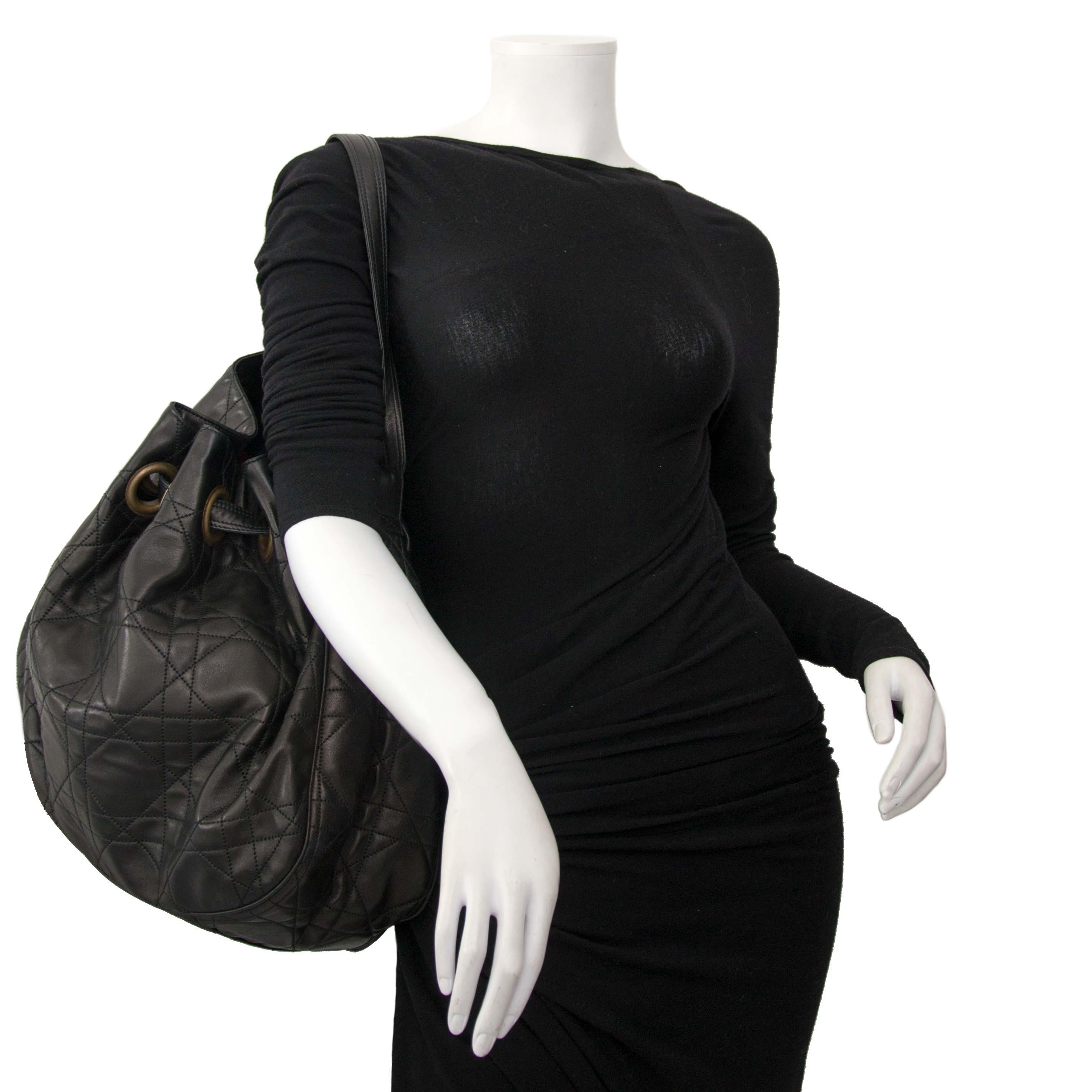 Koop uw authentieke Dior schoudertas aan de beste prijs