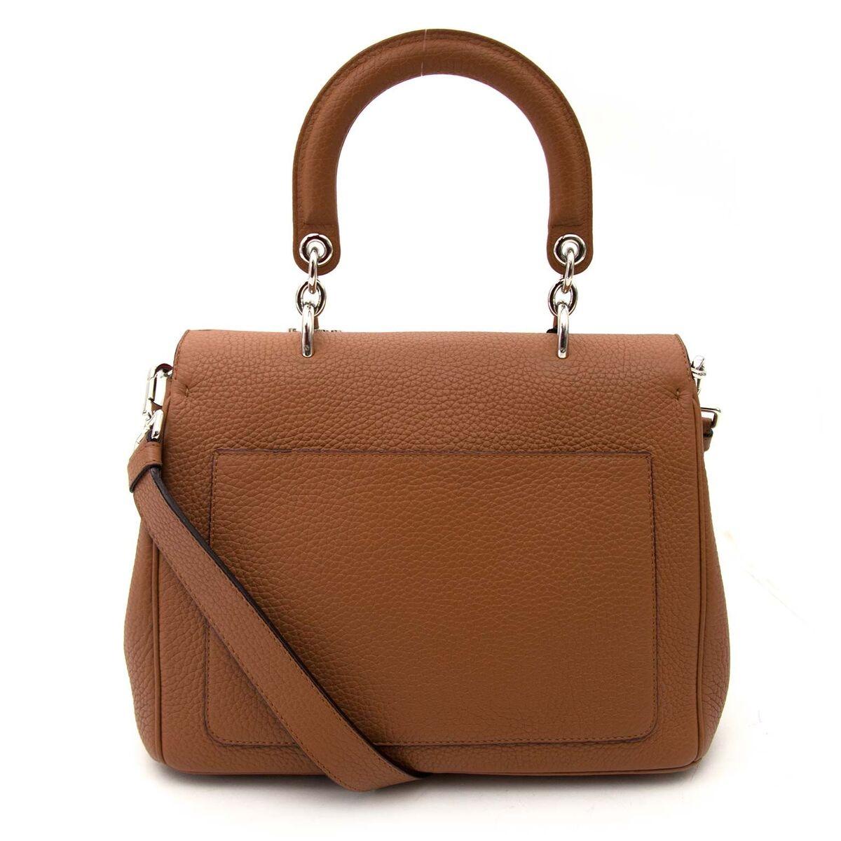 Koop authentieke tweedehands Dior cognac be dior aan een eerlijke prijs bij LabelLOV. Veilig online shoppen.