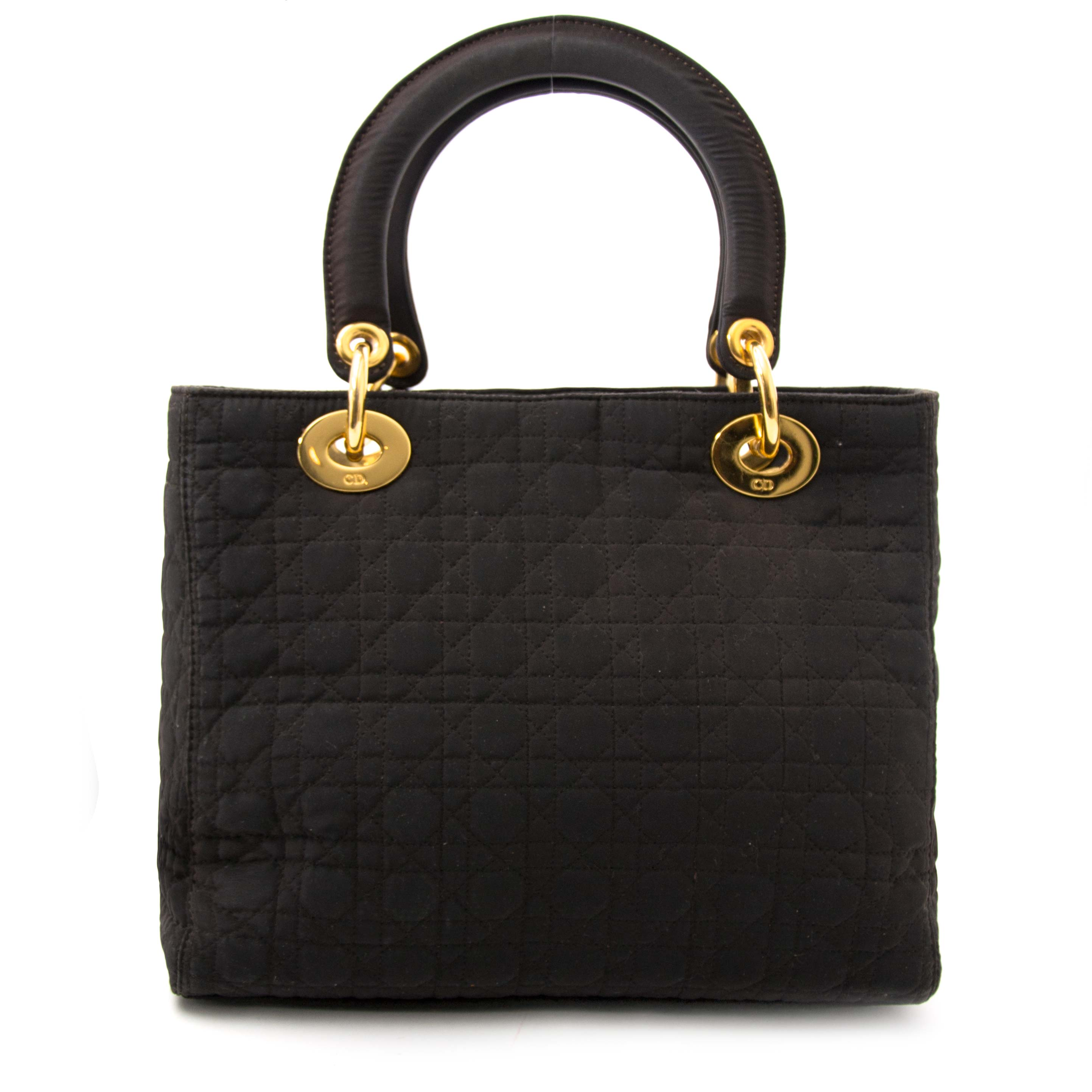 Buy authentic secondhand bag online at Labellov