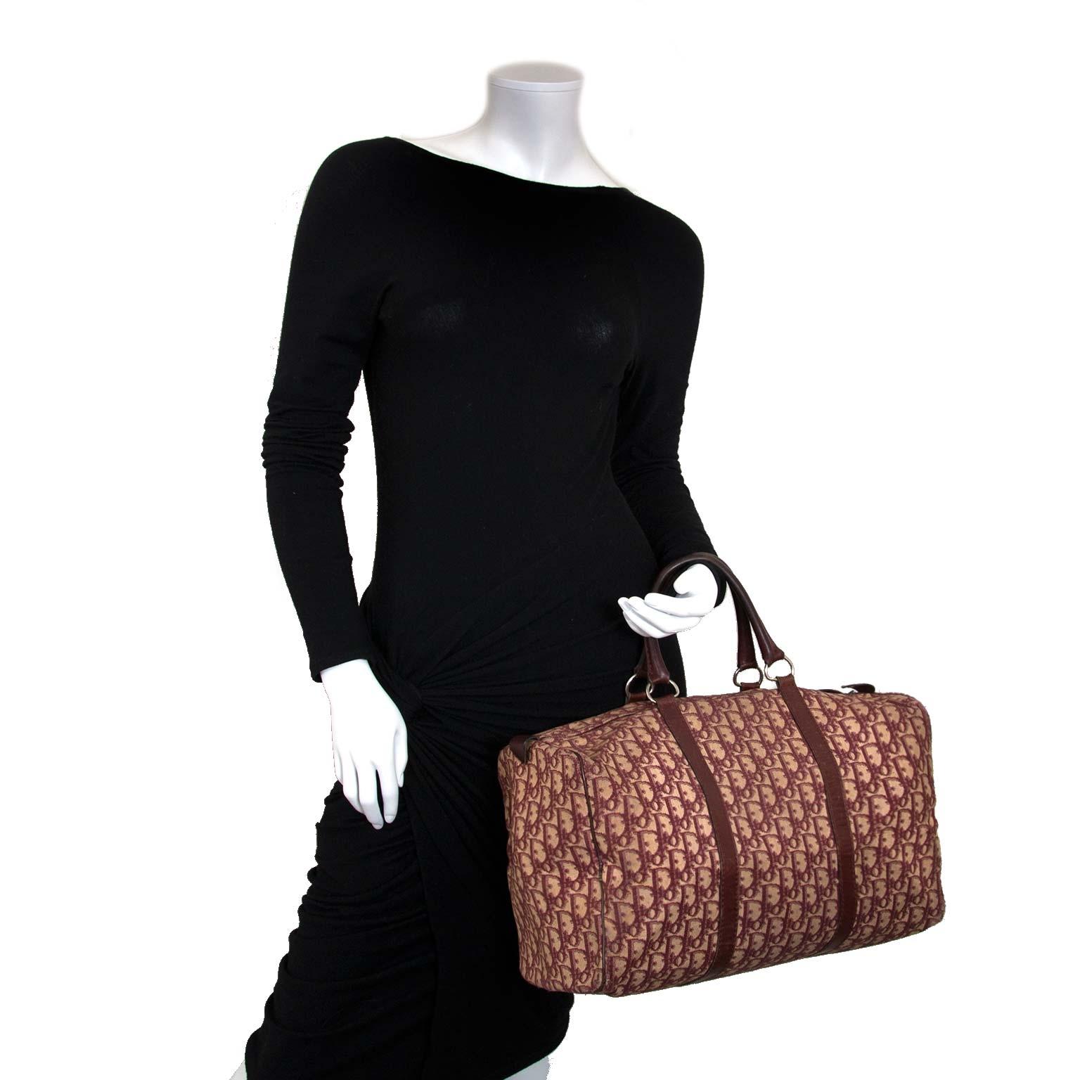 Koop en verkoop uw authentieke designer handtassen bij Labellov tweedehands luxe in Antwerpen