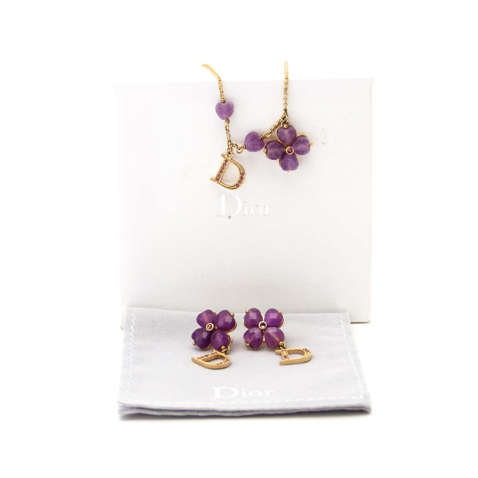 Koop authentieke tweedehands Dior juwelen set aan een eerlijke prijs bij LabelLOV. Veilig online shoppen.
