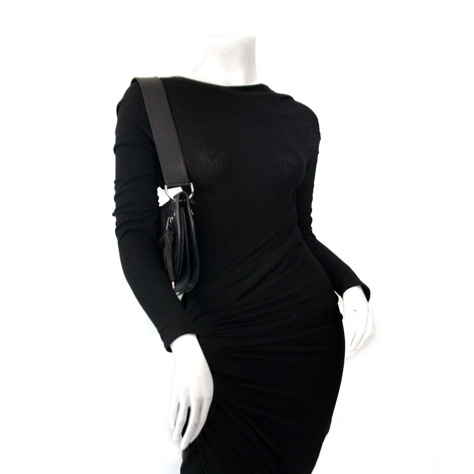 Dior Black Leather Saddle Bag Buy authentic designer Dior secondhand bags at Labellov at the best price. Safe and secure shopping. Koop tweedehands authentieke Dior tassen bij designer webwinkel labellov.