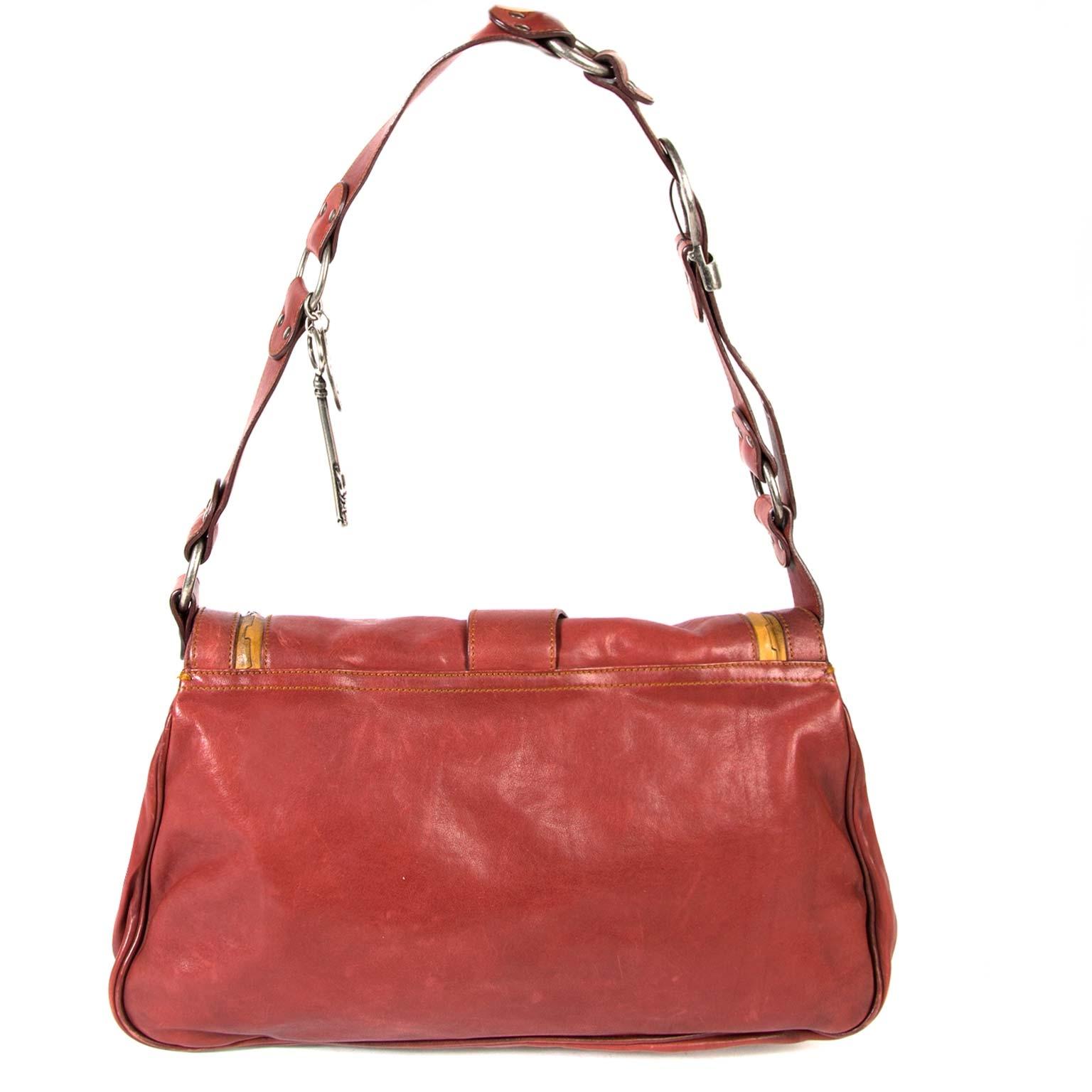 koop  Dior Red Gaucho Saddle Bag en betaal veilig online
