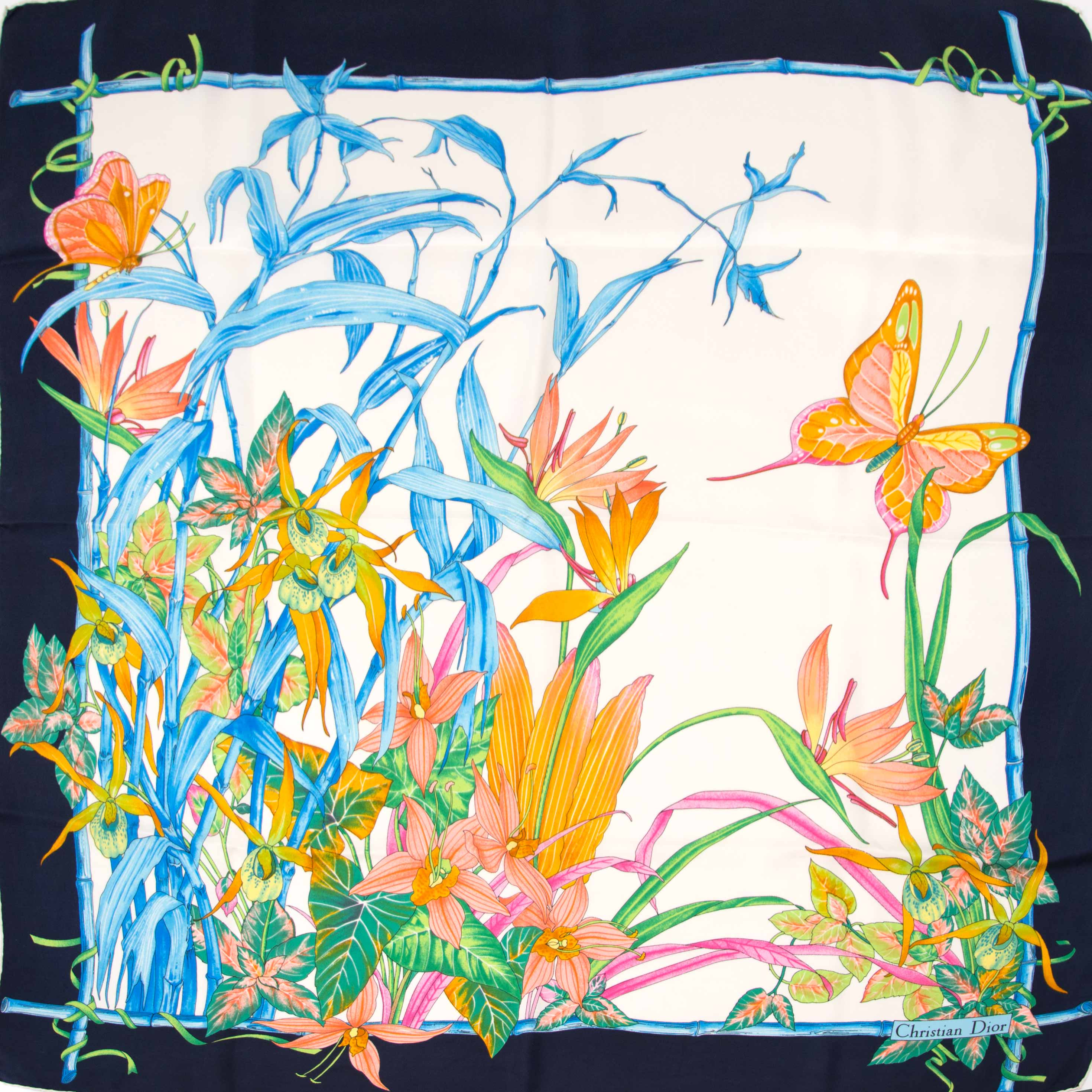koop nu jouw tweedehands Christian Dior Dark Blue Flowers Scarf op labellov.com
