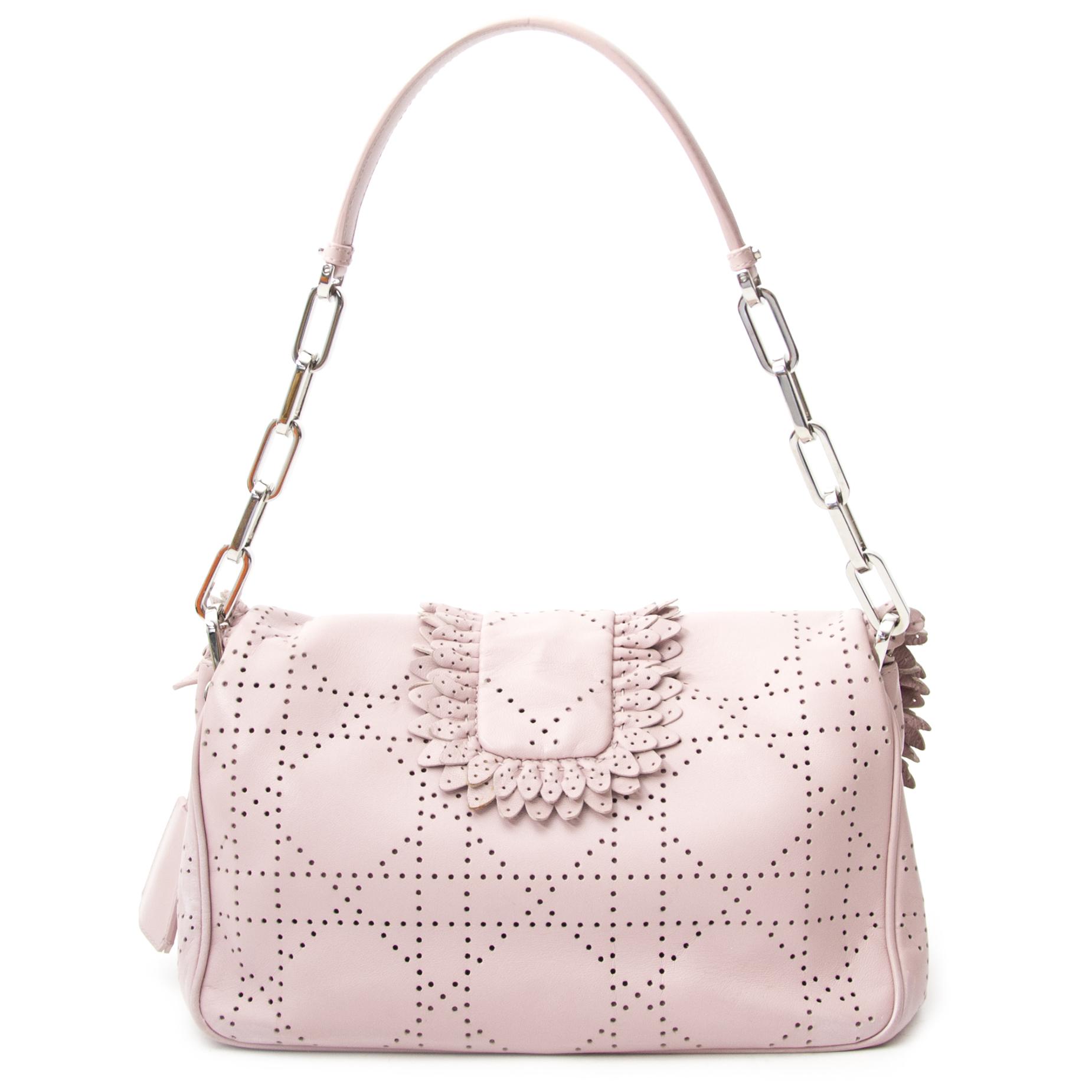 2cbabcb466ea ... koop veilig online aan de beste prijs jouw tweedehands Christian Dior  Baby Pink New Lock Ruffle