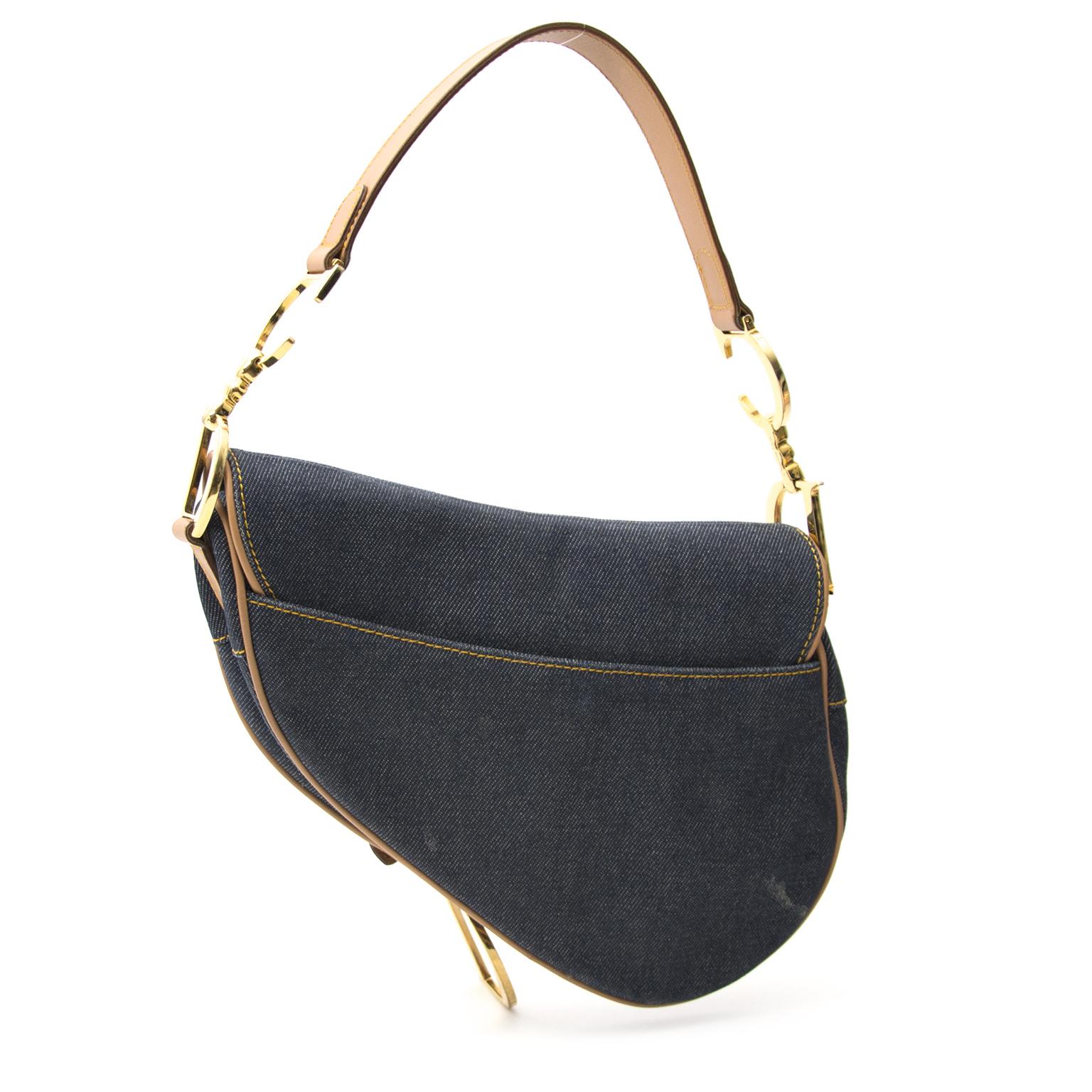 7a2de607f188 ... Acheter secur en ligne votre sac Christian Dior Denim Saddle pour le  meilleur prix