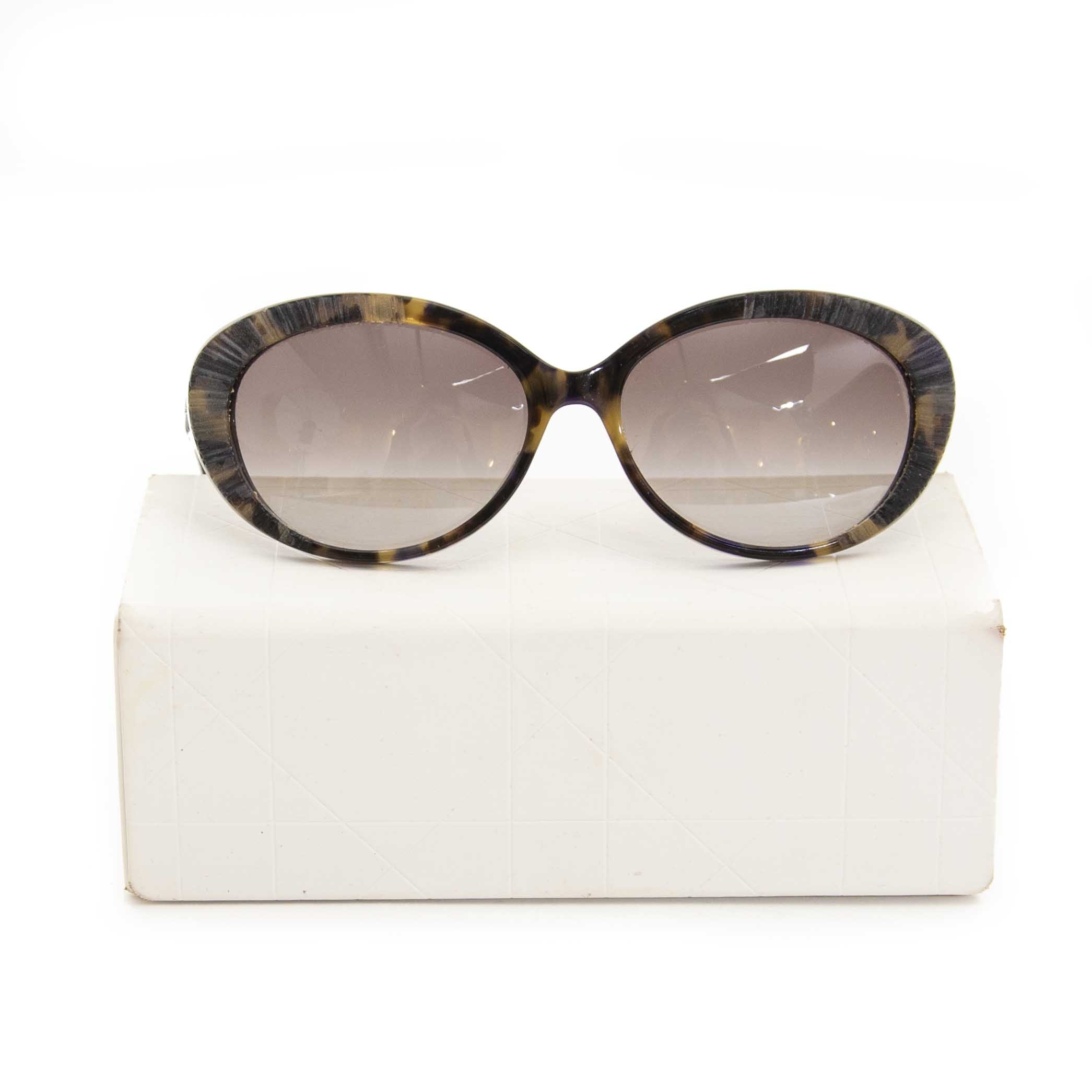 Dior Tortoise Oval Sunglasses now for sale at labellov vintage fashion webshop belgium