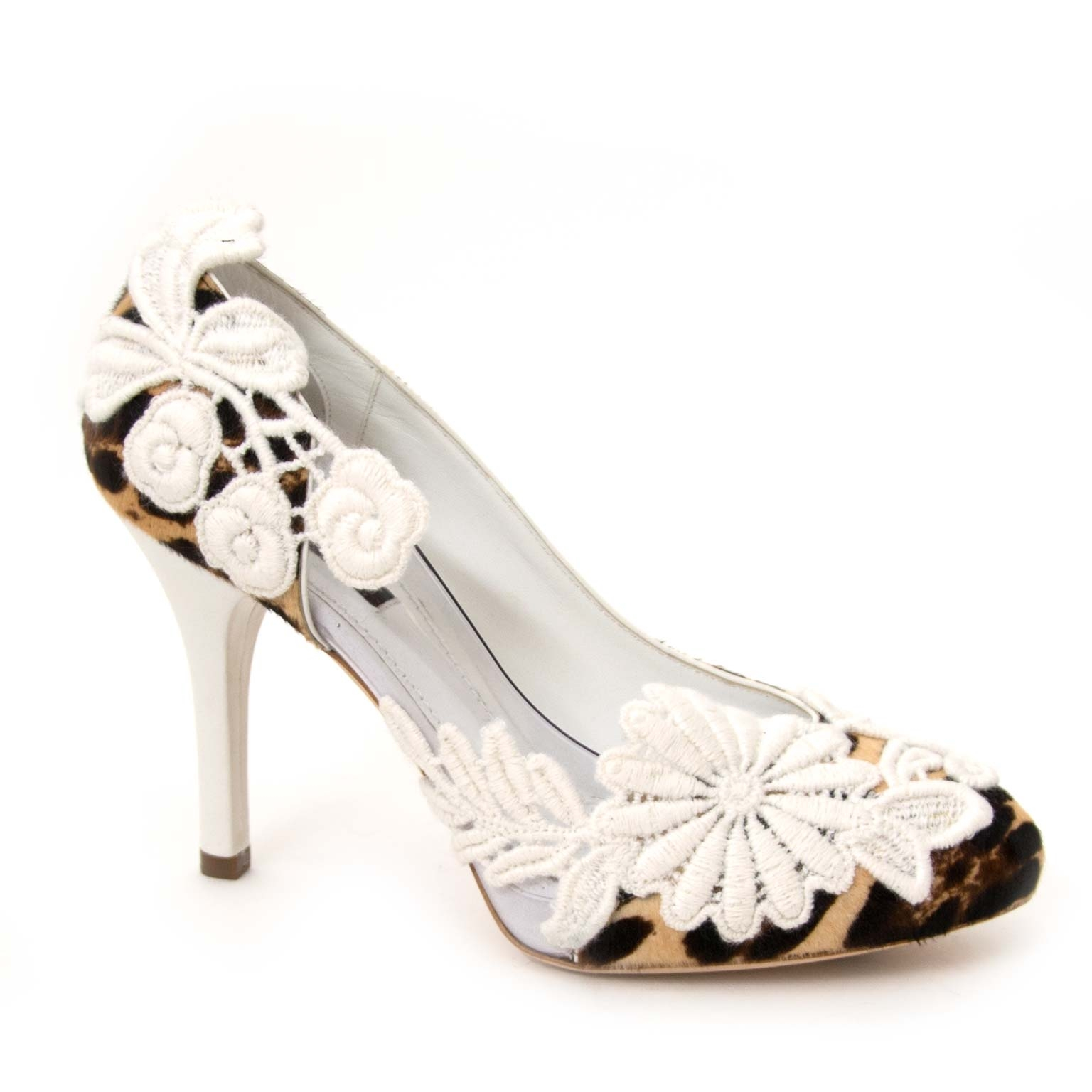 Buy Dolce & Gabbana heels now online at labellov vintage webshop