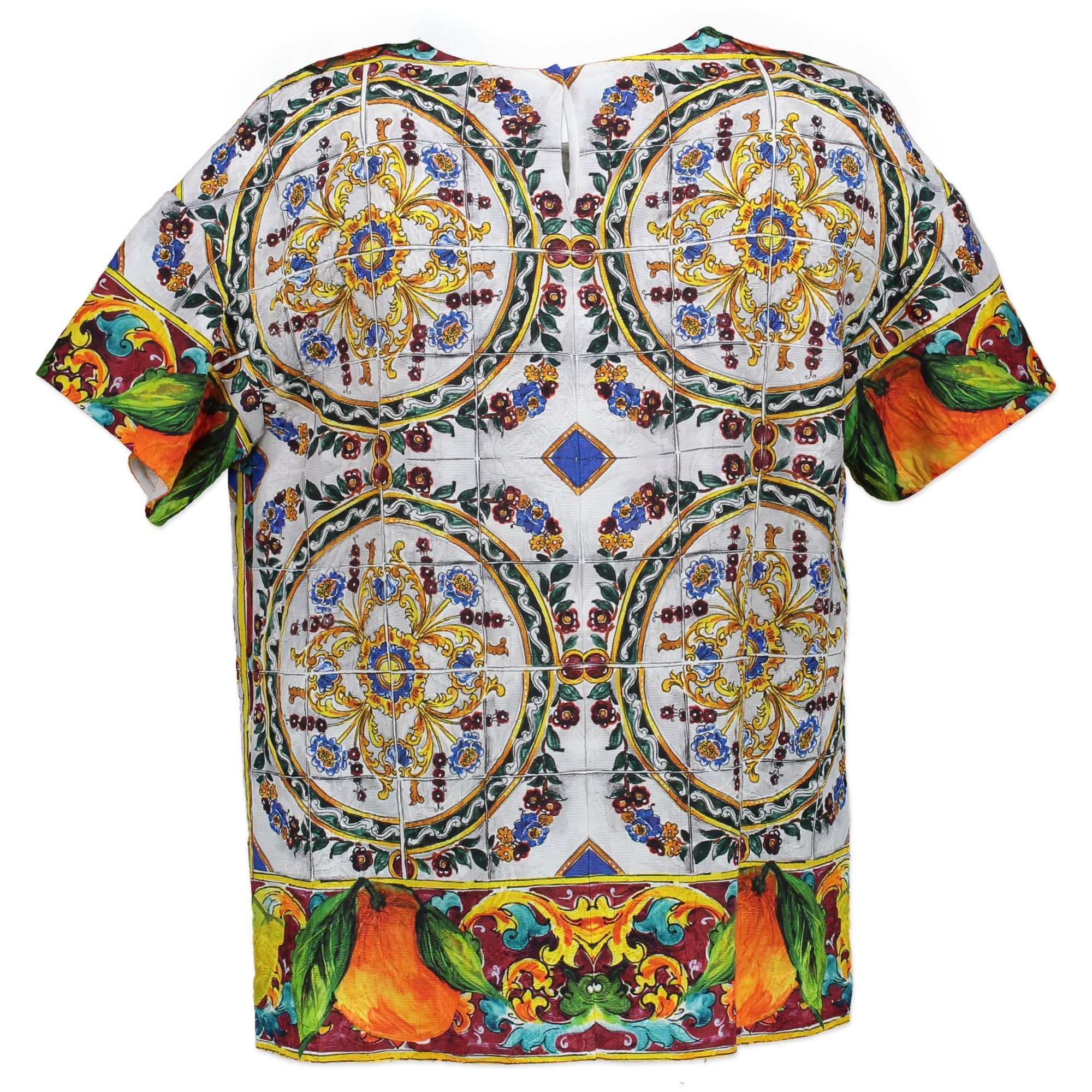 6d0bbec8f7c Buy authentic secondhand Dolce   Gabbana top at the right price at Labellov  vintage webshop.