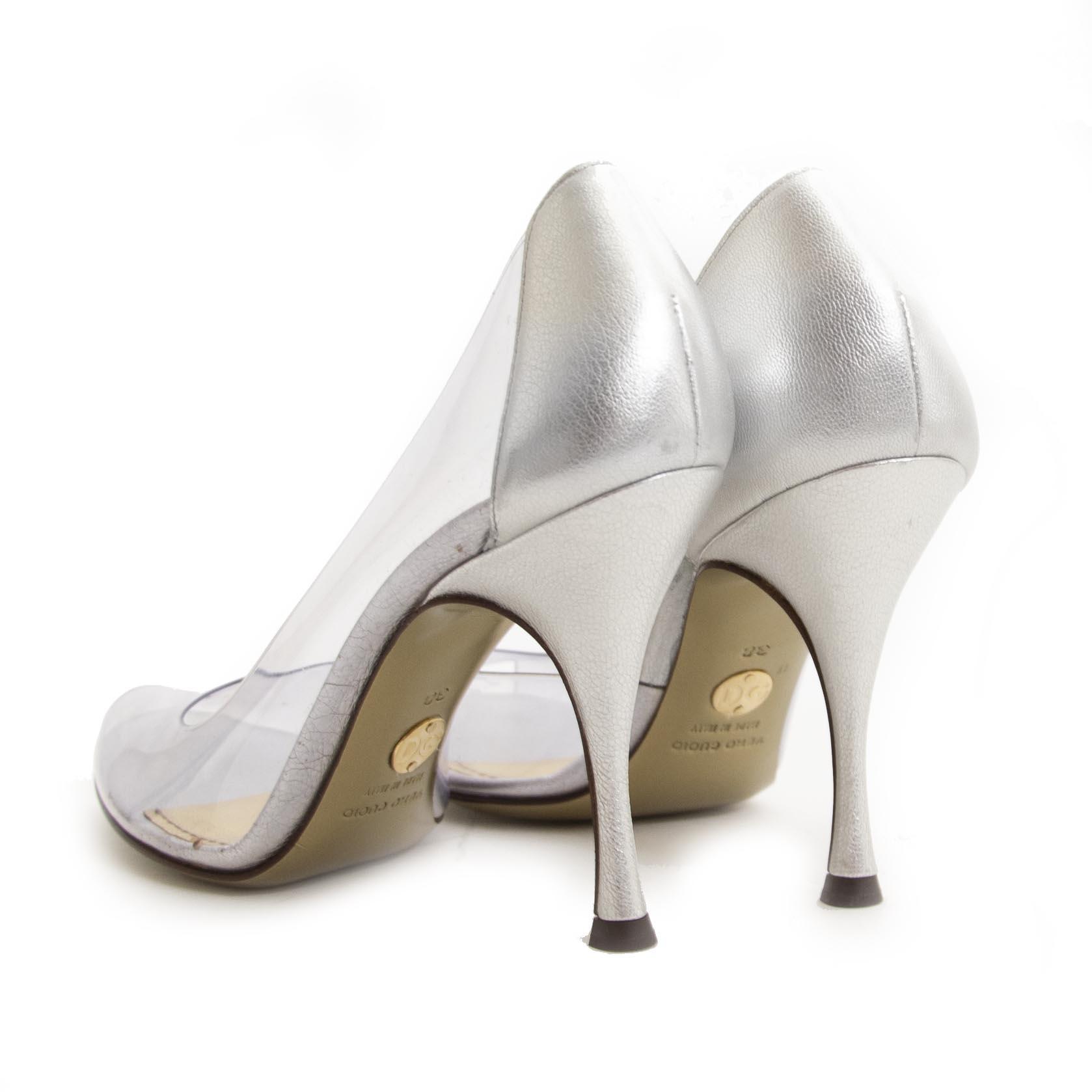 Dolce & Gabbana Transparant Peep Toe Pumps - 38 For the best price at LabelLov. Pour le meilleur prix à LabelLOV. Voor de beste prijs bij LabelLOV.