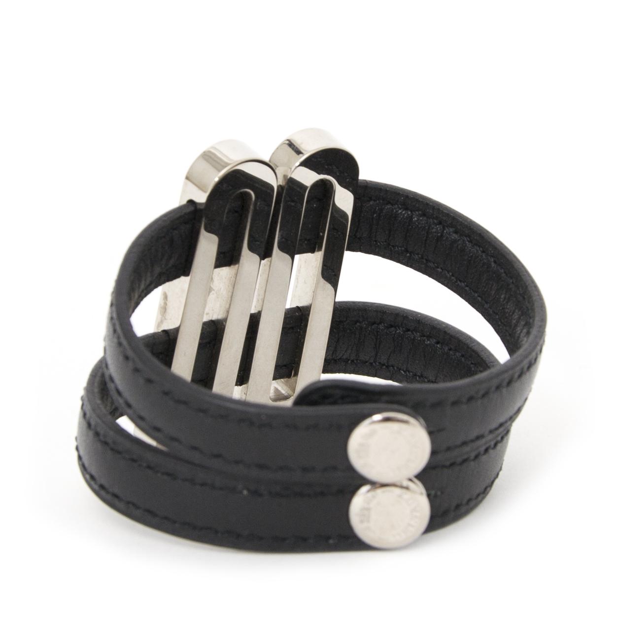 Authentieke Delvaux armband voor de juiste prijs bij LabelLOV vintage webshop. Veilig online winkelen. Luxe, vintage, mode. Antwerpen, België.