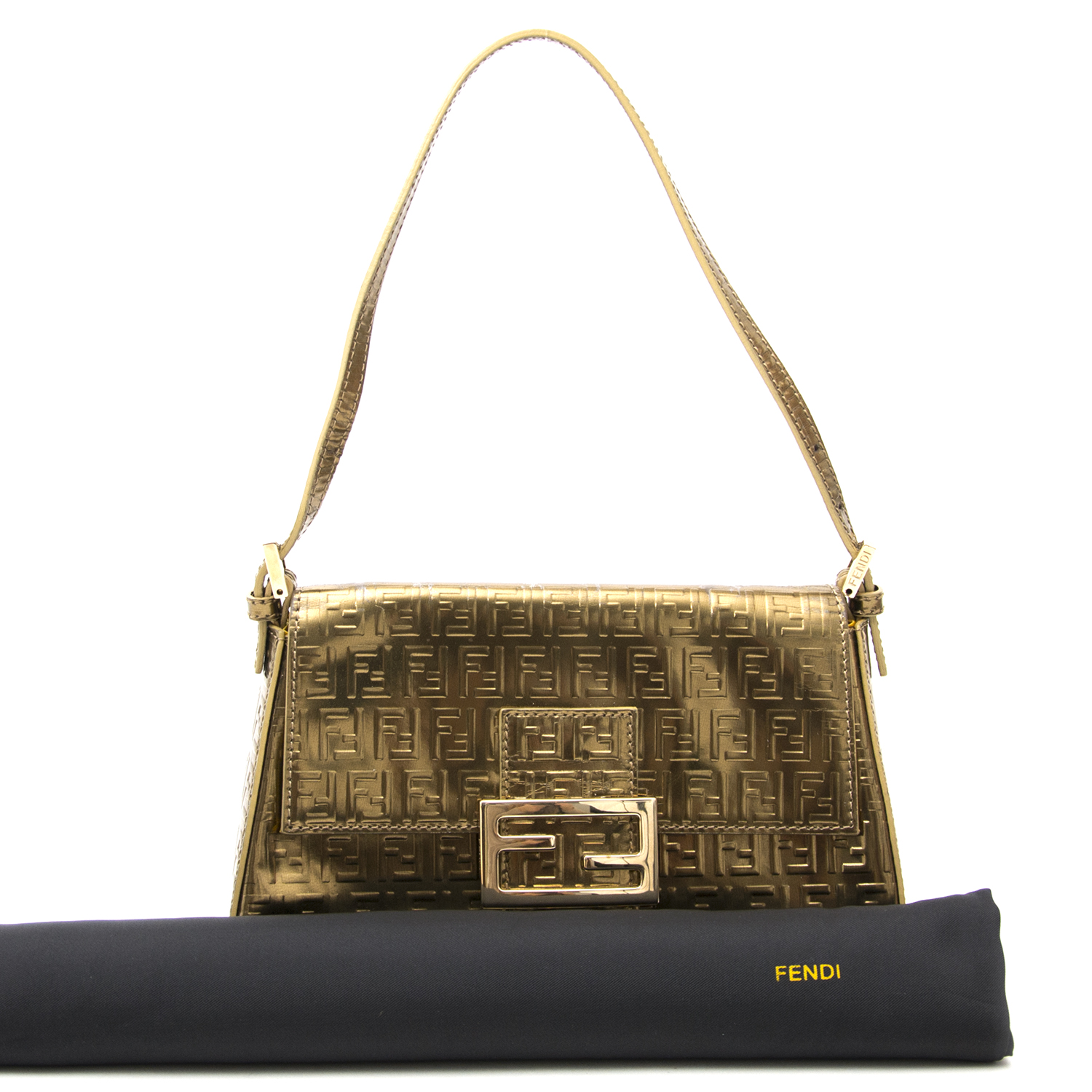 Looking for an it-bag? Find it at Labellov Timeless Luxury webshop