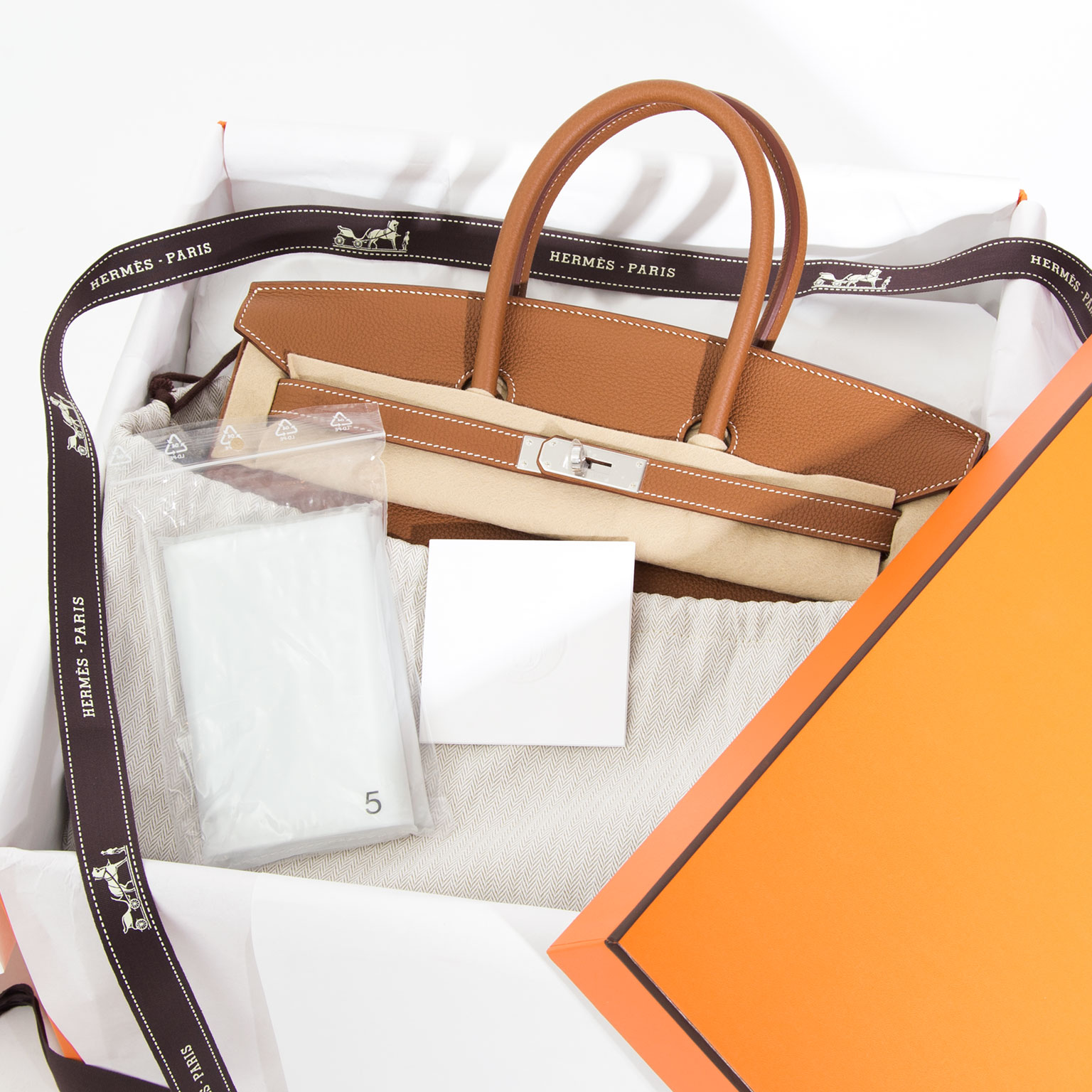 2c7be7040f2fd Koop veilig onine BRAND NEW Hermès Birkin Bag 35 PHW Togo Gold Worldwide  shipping. Koop veilig onine tweedehands