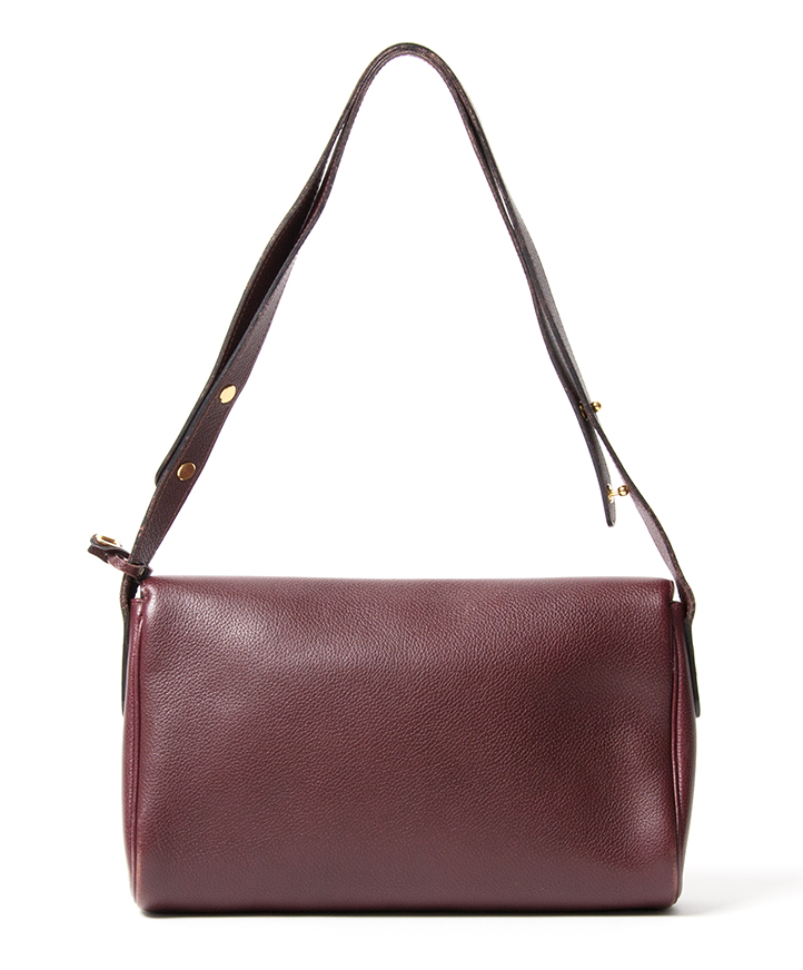 ... Delvaux Burgundy Shoulder Bag secondhand authentic safe online shopping  webshop Antwerp Belgium LabelLOV fashion style high 9e3277ae4769a
