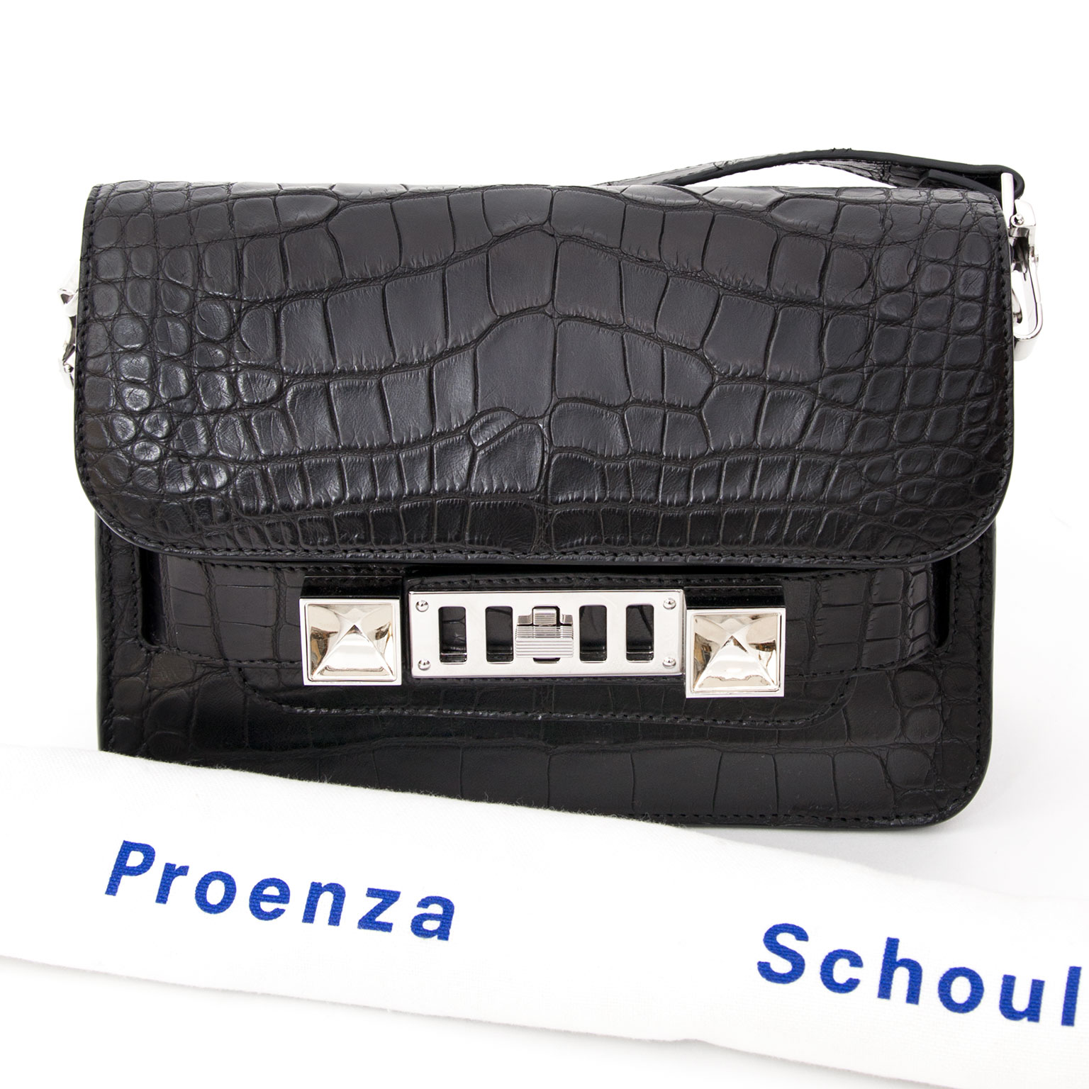 Buy safe and 100% authentic Proenza Schouler shoulderbags on Labellov.com