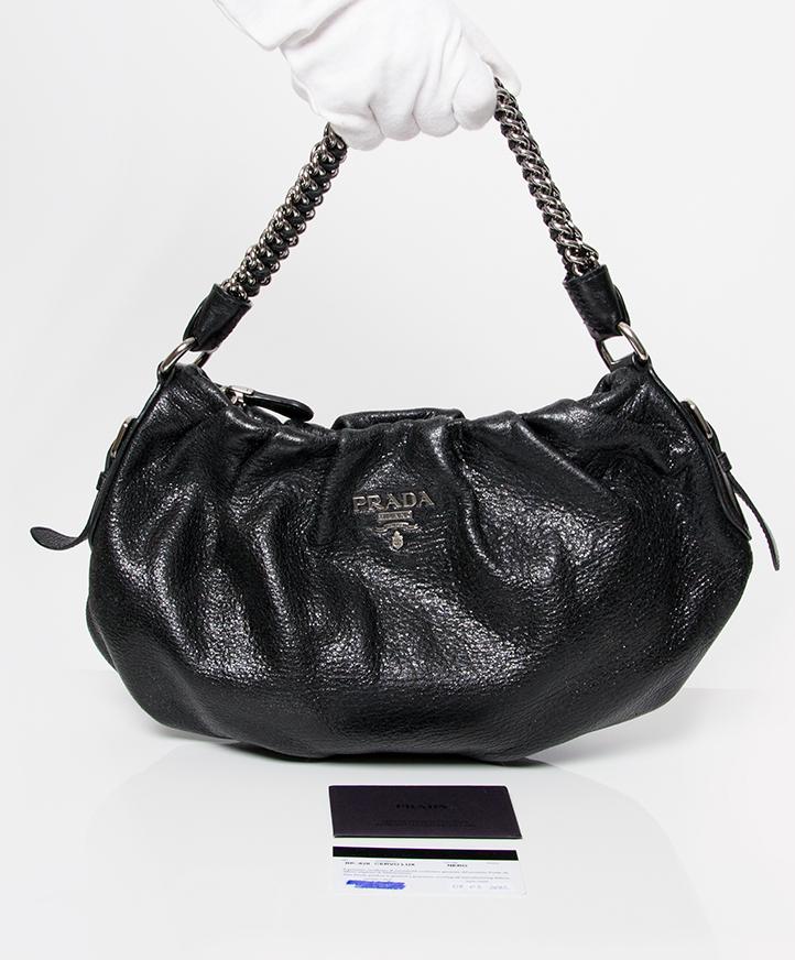 9b4848c8f4f4 vintage secondhand handbag online Prada e shop Authentieke tweedehands Prada  zwarte kalfsleren lederen tas zwarte leren handtas juiste prijs labellov ...