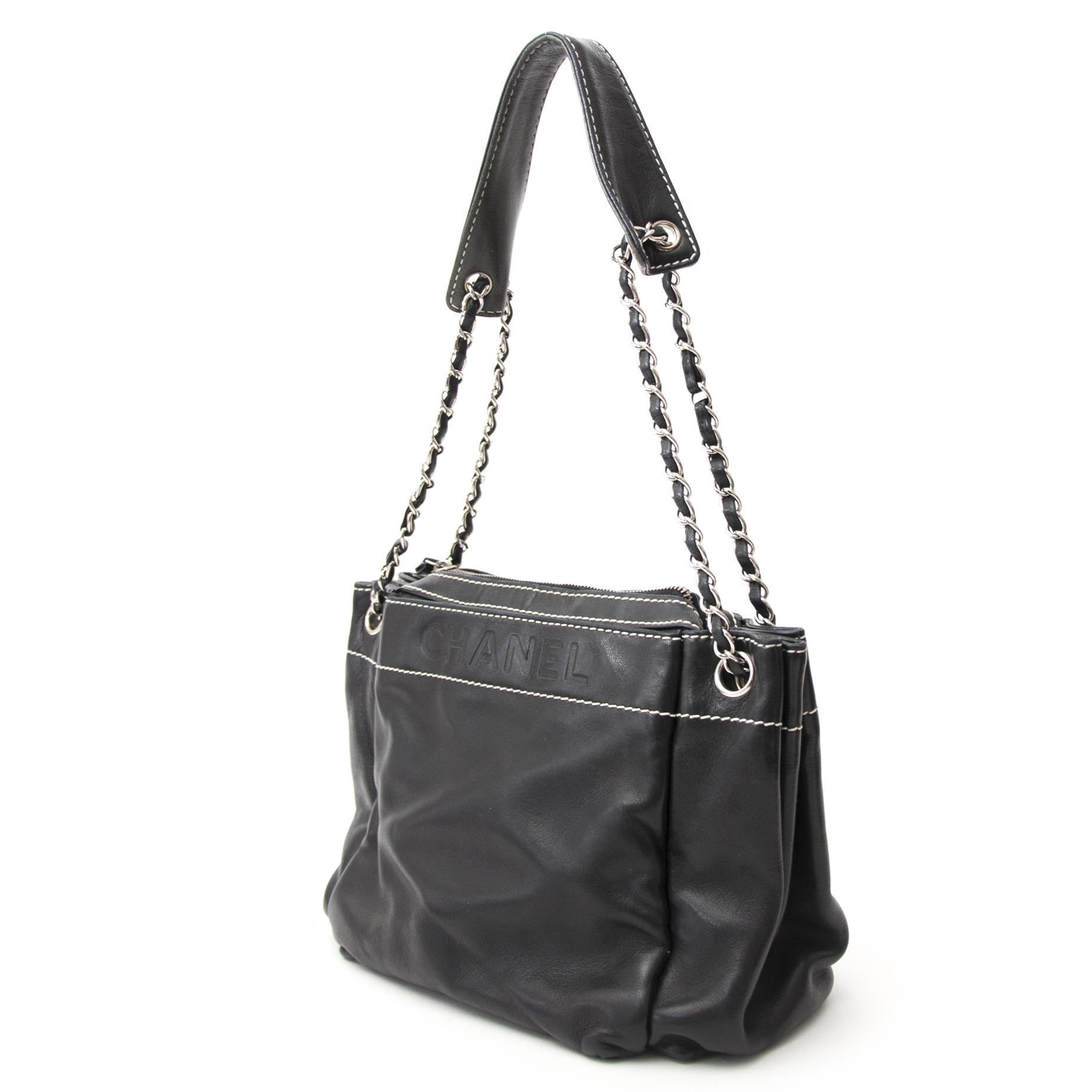 koop veilig online aan de best prijs Chanel Black LAX Accordian Bag