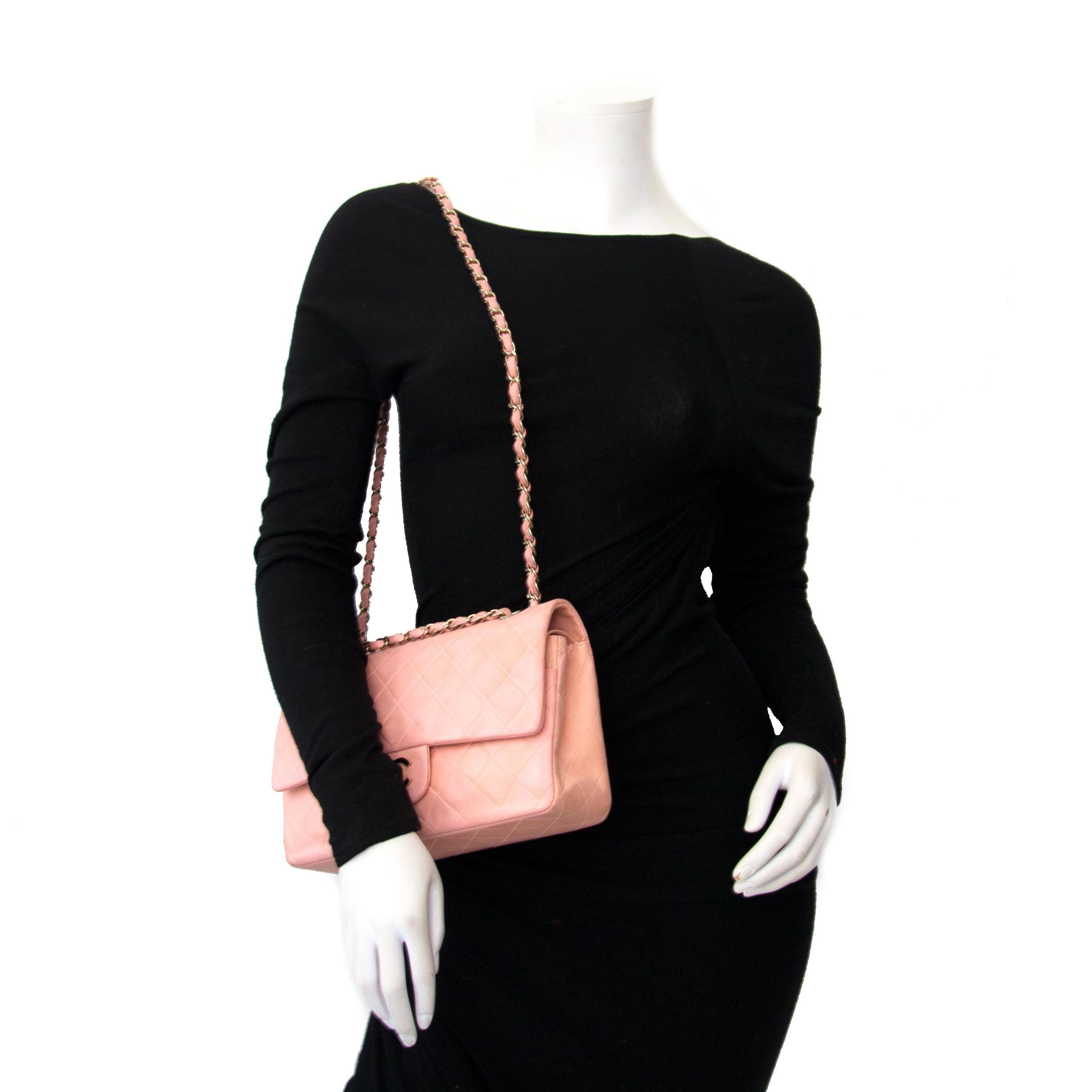 Koop online tweedehands authentieke Chanel handtas bij labellov, Antwerpen.