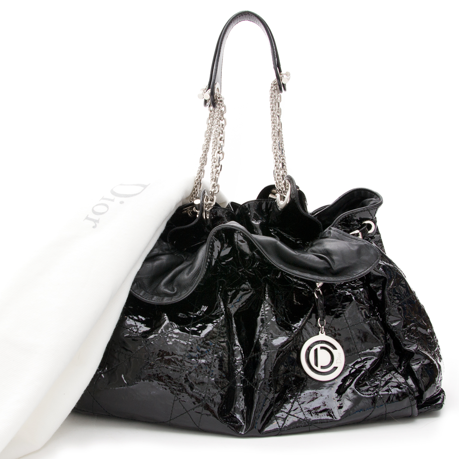 Christian Dior Cannage Hobo Patent Black . Buy your designer bags safe and secure at the webshop Labellov.com.