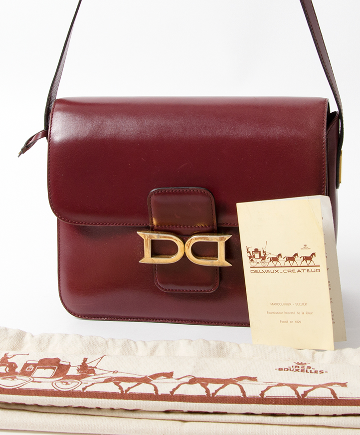 ... Delvaux Burgundy Shoulder Bag authentic secondhand bags safe online  shopping webshop Belgium Antwerp LabelLOV fashion style e62423ede1d9b