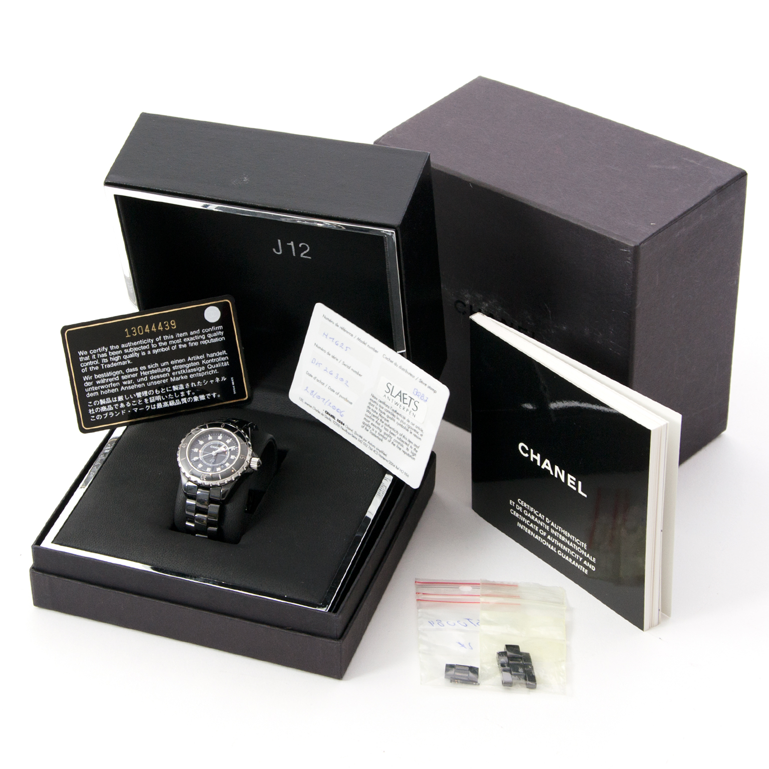 Impervious to the passing Chanel J12 Black Womens Watch tweedehands Chanel  J12 uurwerk met diamant te koop bij labellov webshop db389fb3cf