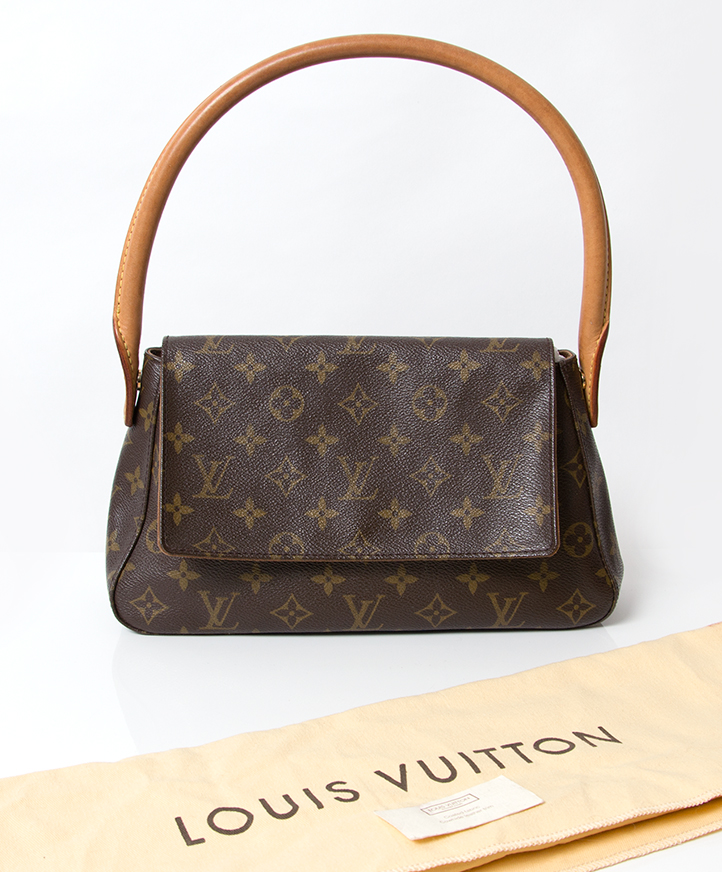 acfe2be07afe buys second hand Louis Vuitton Monogram Mini Looping Shoulderbag online  webshop labellov koop tweedehands aan de beste prijs Louis Vuitton Monogram  Mini ...