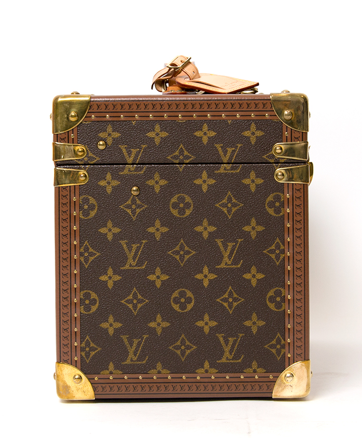 6e6a4e648a96 Louis Vuitton Toiletry Case buy safe second hand designer vintage Louis  Vuitton pharmacy case 100% authentic worldwide shipping labellov