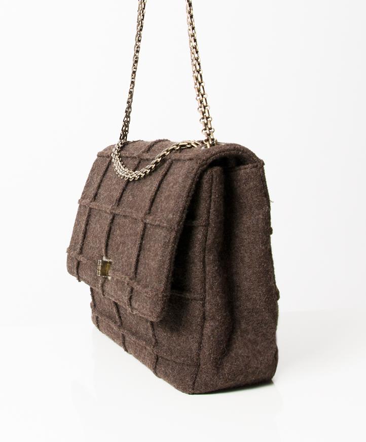 a9b8ddecb77 ... Authentieke tweedehands Chanel Identification bruin wol schoudertas flap  bag cross body juiste prijs designer vintage webshop